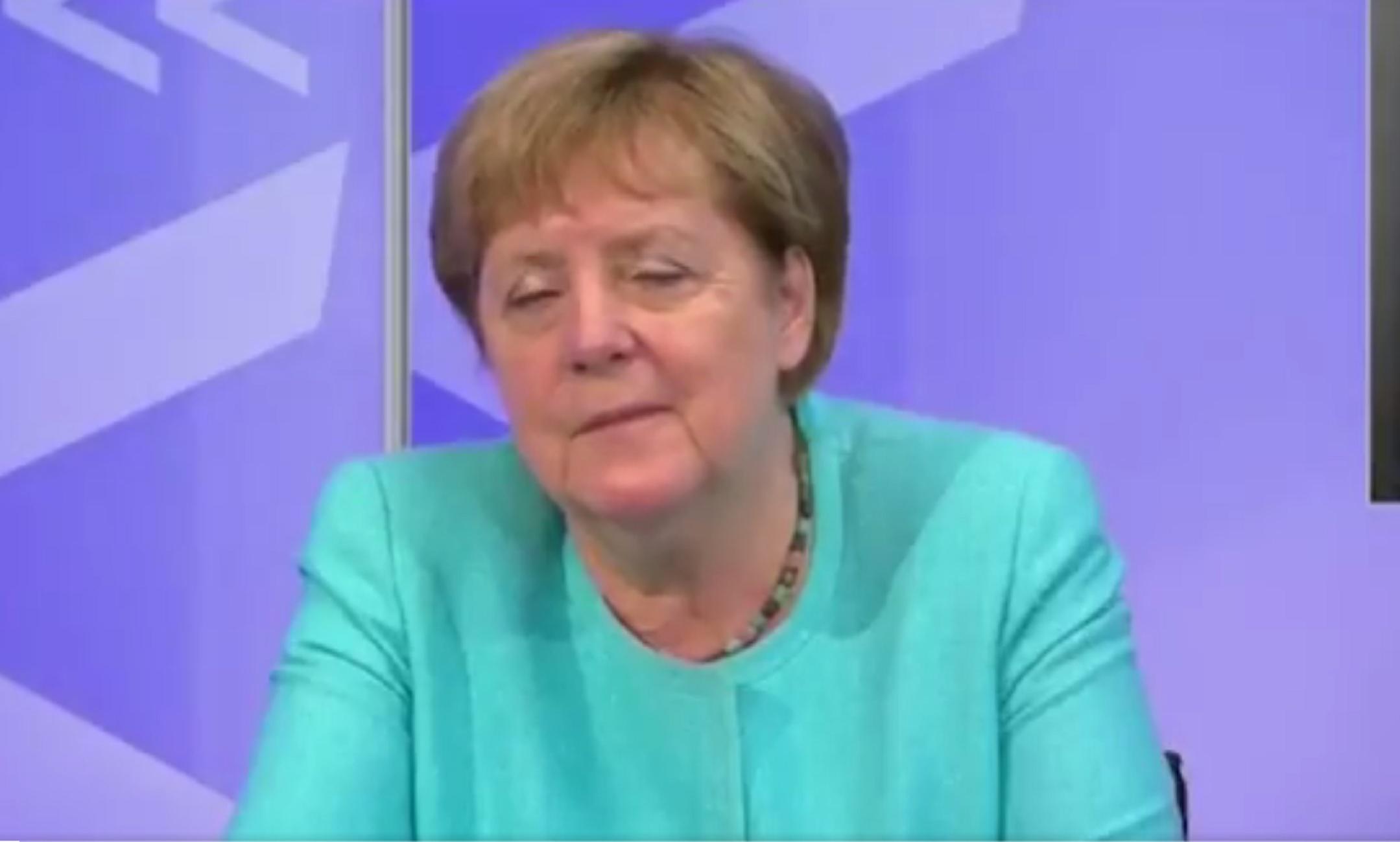 Άνγκελα Μέρκελ: Νύστα βαθιά σε τηλεδιάσκεψη – Δεν μπορούσε να κρατήσει τα μάτια της ανοικτά