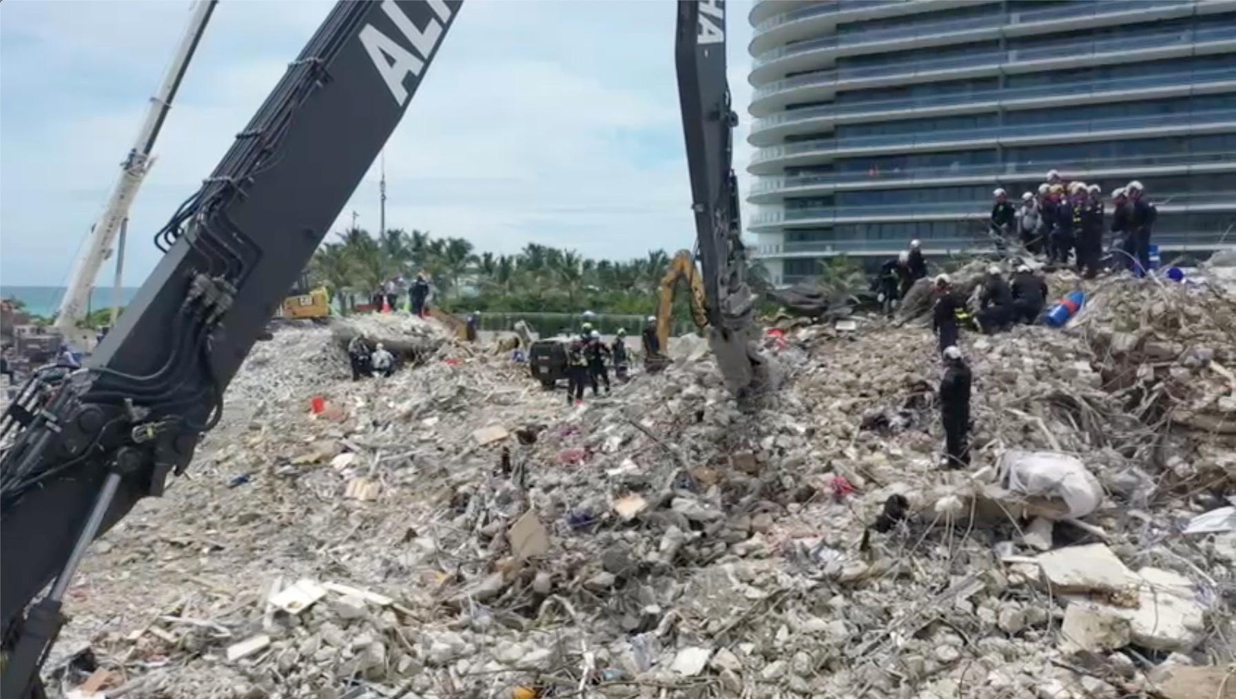 Μαϊάμι: 28 οι νεκροί από την κατάρρευση της πολυκατοικίας και 117 αγνοούμενοι