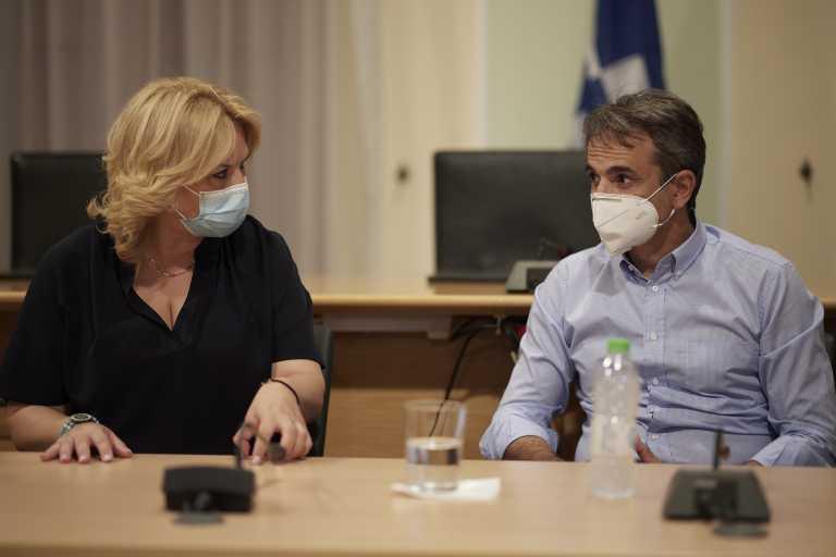 Κυριάκος Μητσοτάκης: «Πρέπει να πάμε πια πόρτα-πόρτα στον εμβολιασμό»