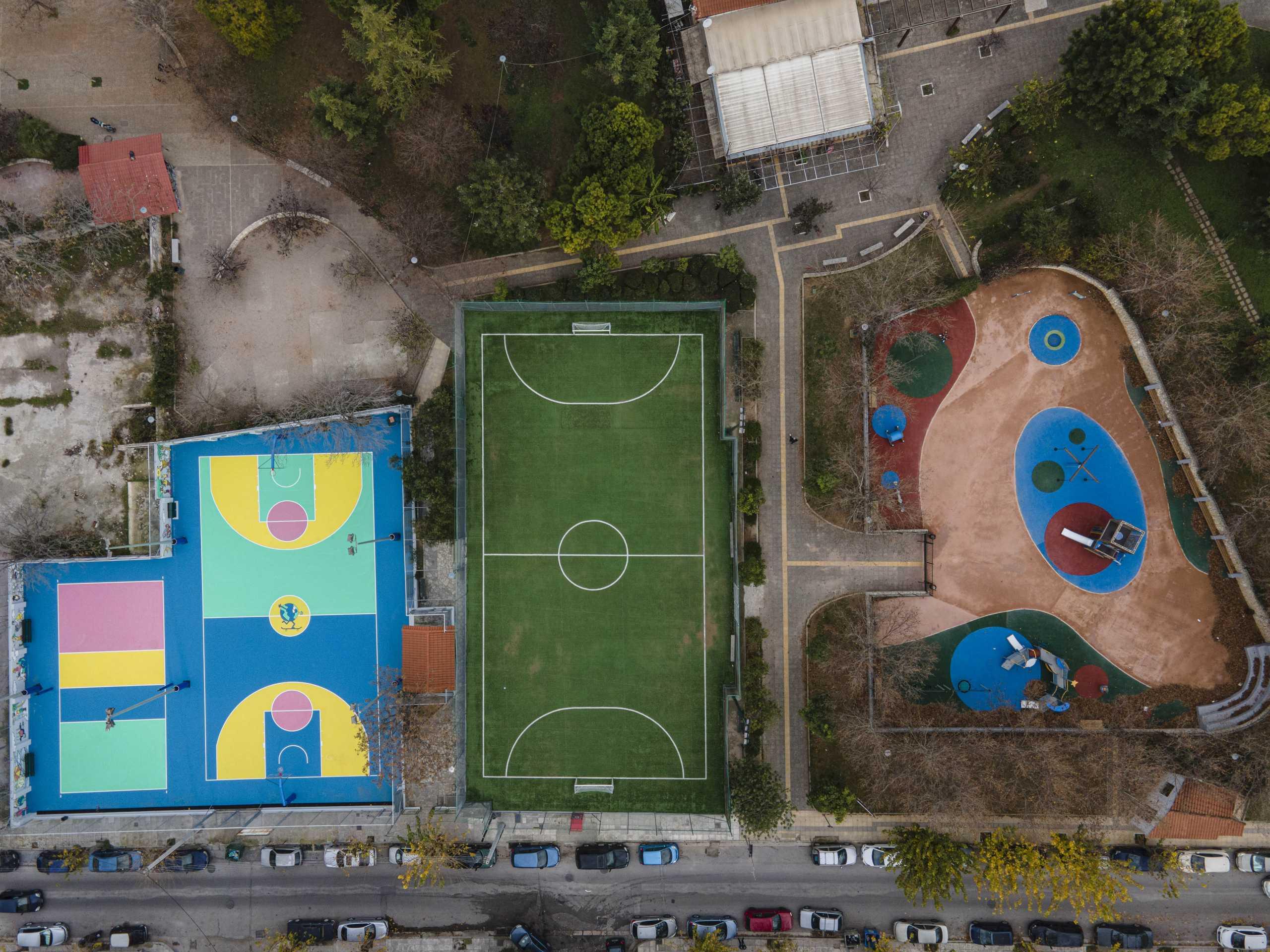 Ανακαινίστηκαν δύο Αθλητικά Κέντρα και δύο παιδικές χαρές στον Νέο Κόσμο