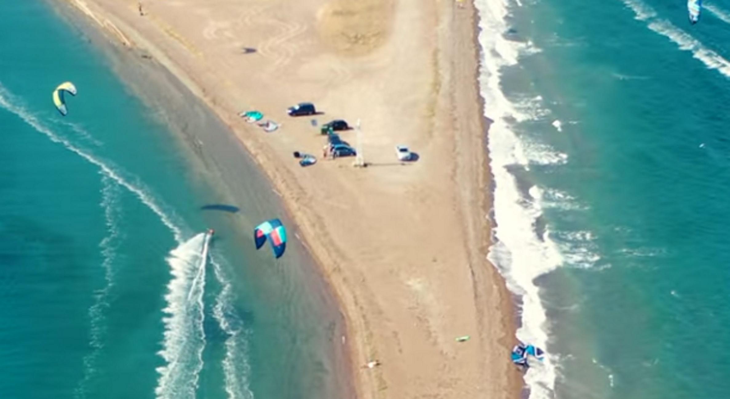 Φθιώτιδα: Η αμμόγλωσσα της αδρεναλίνης – Η εκπληκτική παραλία μια ανάσα από τη Λαμία
