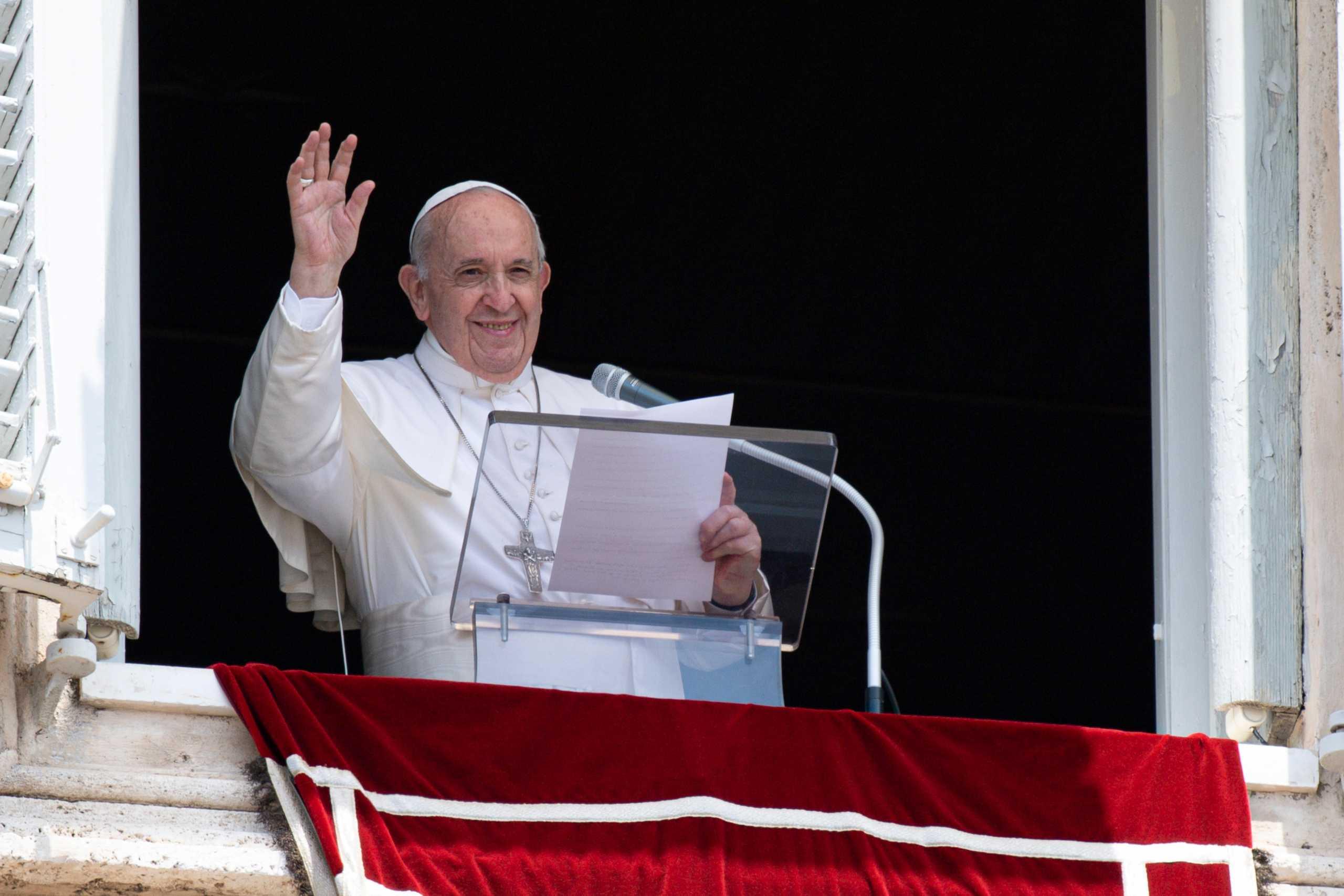 Έστειλαν φάκελο με σφαίρες στον Πάπα Φραγκίσκο