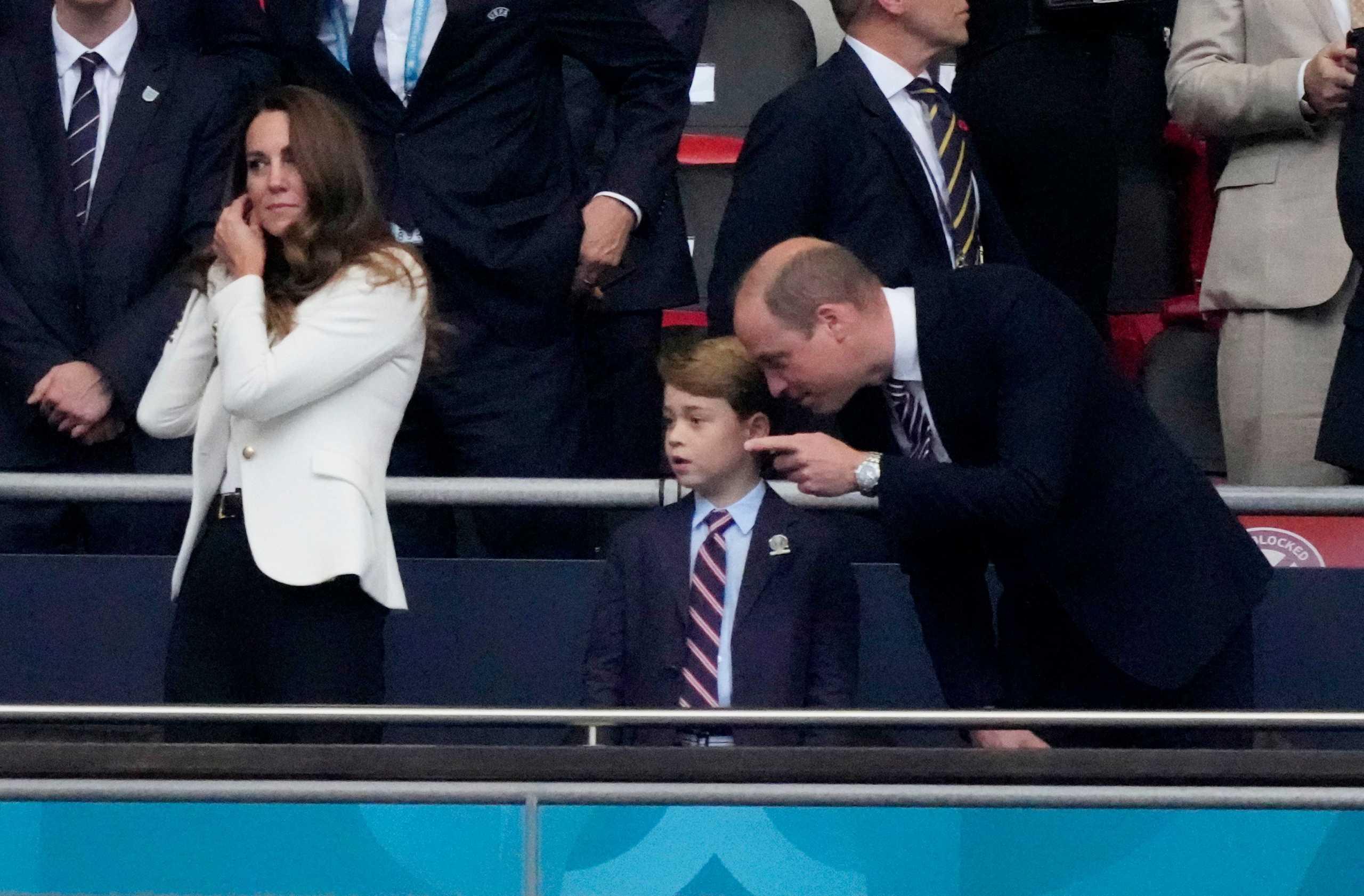 Daily Mail: Έρχεται το τέλος της μοναρχίας στην Βρετανία – «Ο πρίγκιπας Τζορτζ δεν θα στεφθεί βασιλιάς»