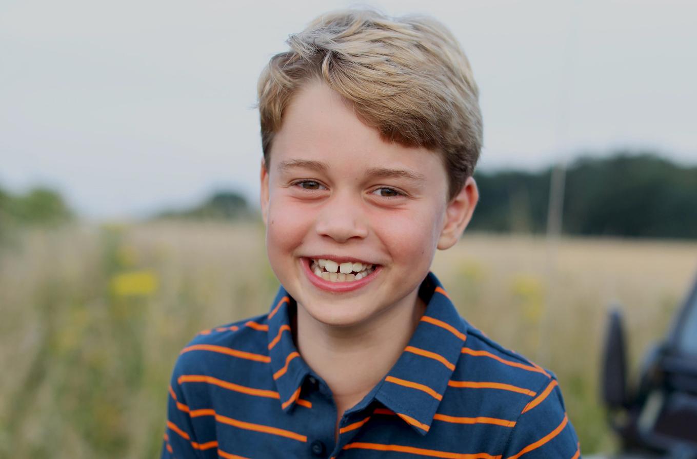 Ο πρίγκιπας Τζορτζ έγινε 8 και είναι ίδιος ο μπαμπάς του