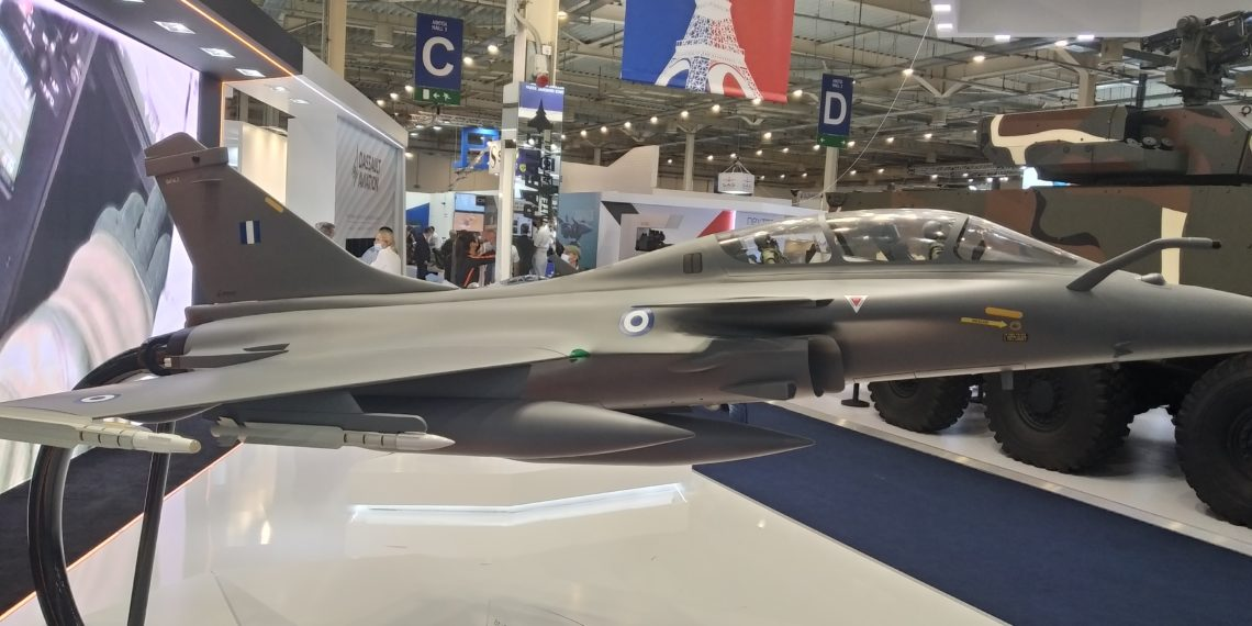DEFEA 2021: «Κλέβουν τις εντυπώσεις» τα Rafale με τα χρώματα της Πολεμικής Αεροπορίας