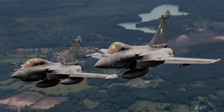 Rafale: Όταν το γαλλικό μαχητικό «λόκαρε και κατέρριψε» ένα stealth F-22! [vid]