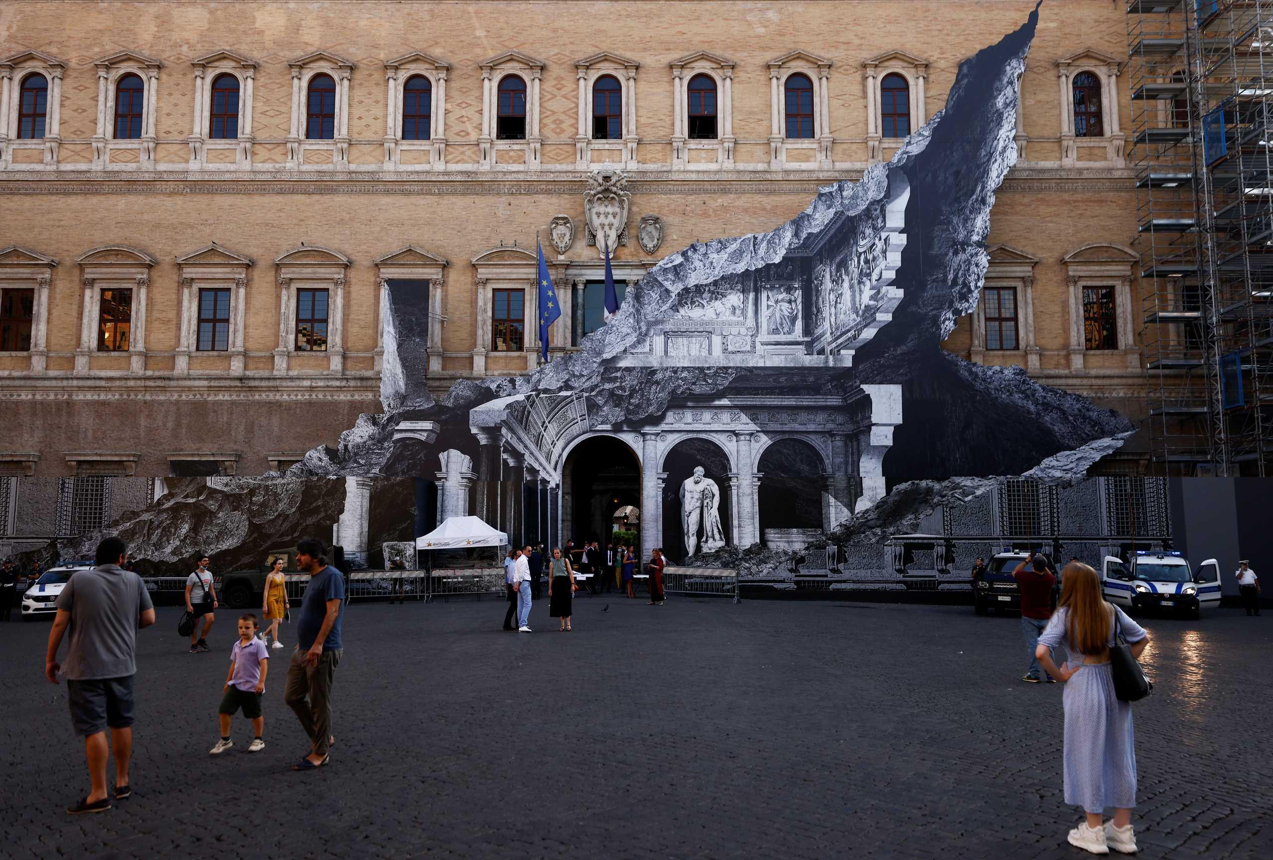 Ιταλία – Κορονοϊός: Αύξηση εισαγωγών σε ΜΕΘ και θανάτων – Η Ρώμη κινδυνεύει με μέτρα