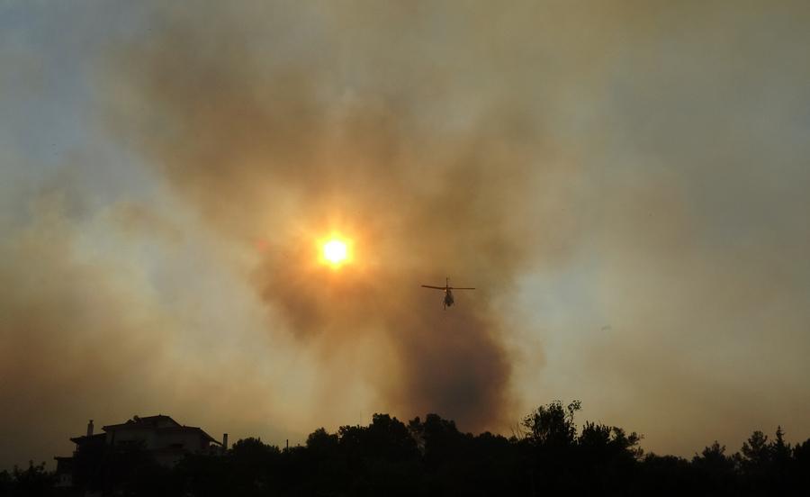 Σάμος: Καλά μαντάτα από το μέτωπο της φωτιάς – Μεγάλη επιχείρηση από έδαφος και αέρα