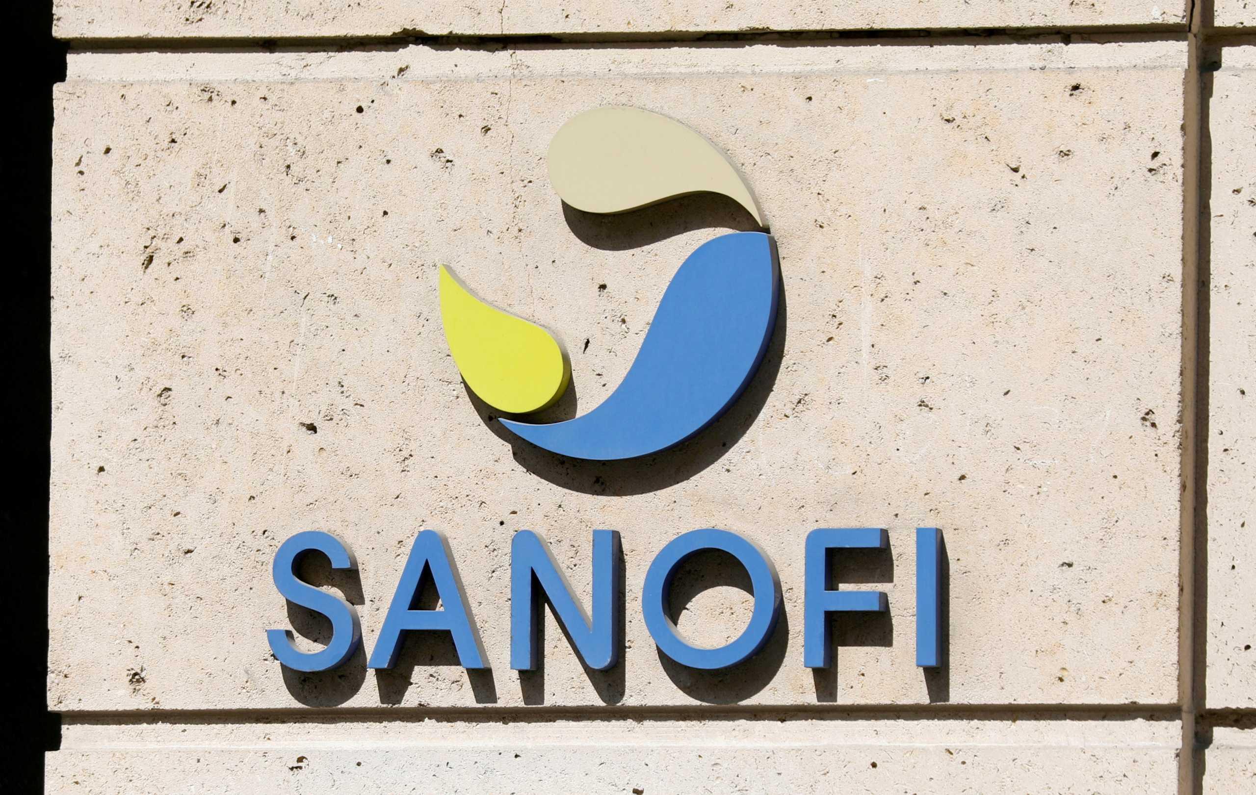 Κορονοϊός – εμβόλιο: Η Sanofi εγκαταλείπει την ανάπτυξη mRNA για την covid
