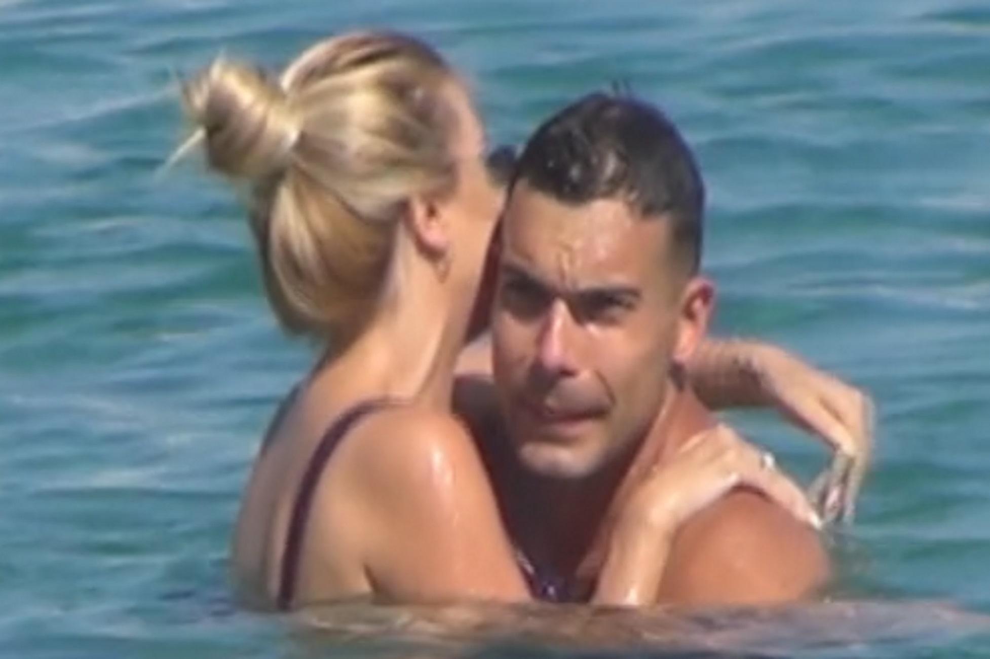 Μύκονος: Ο Κώστας Σλούκας full in love με την σύζυγό του – Οι παπαράτσι δεν τους άφησαν σε ησυχία