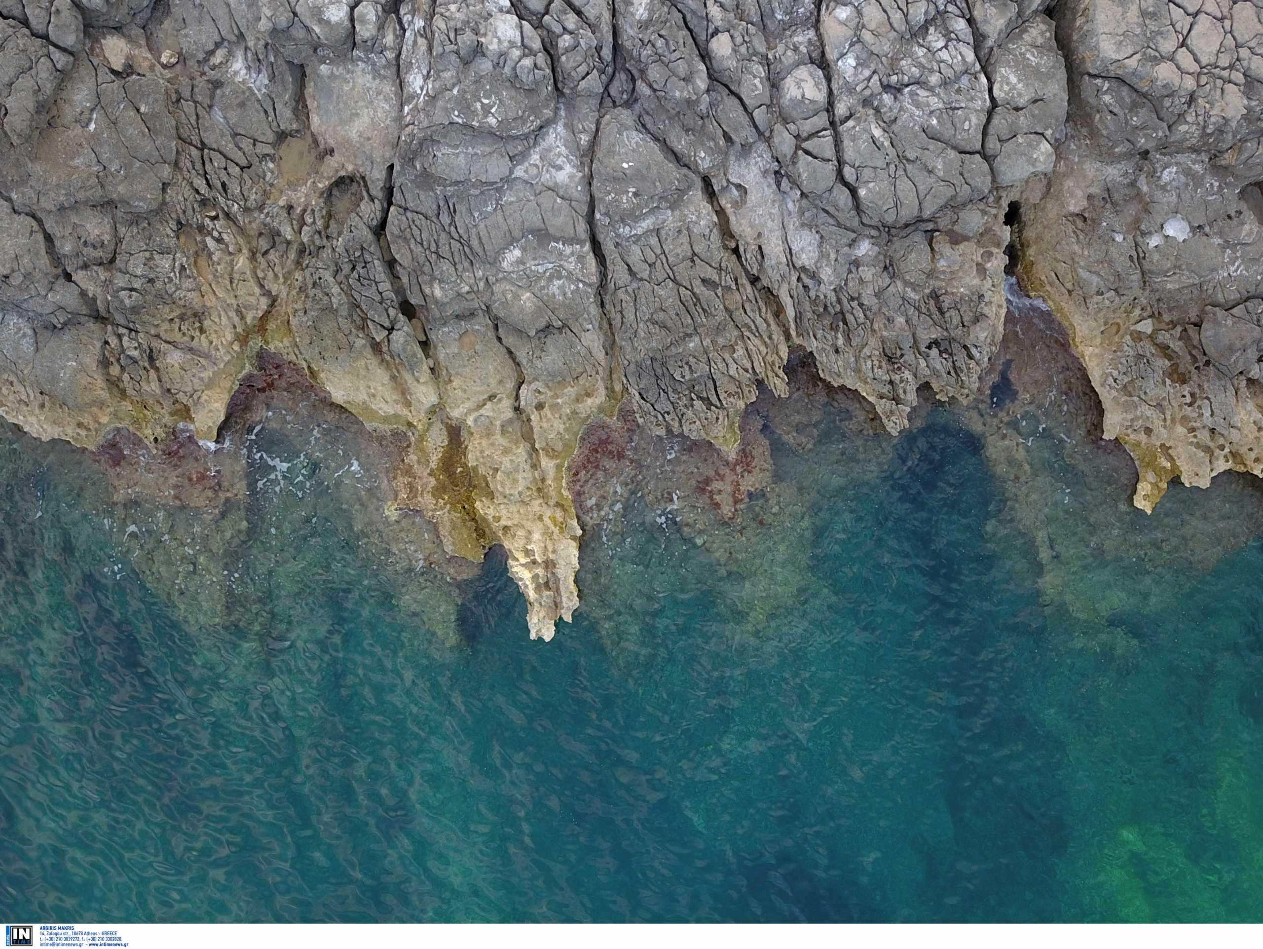 Ηράκλειο: Την κουβάλησε κολυμπώντας λιπόθυμη στην σπηλιά! Οι κρίσιμες στιγμές μετά την ανατροπή της βάρκας