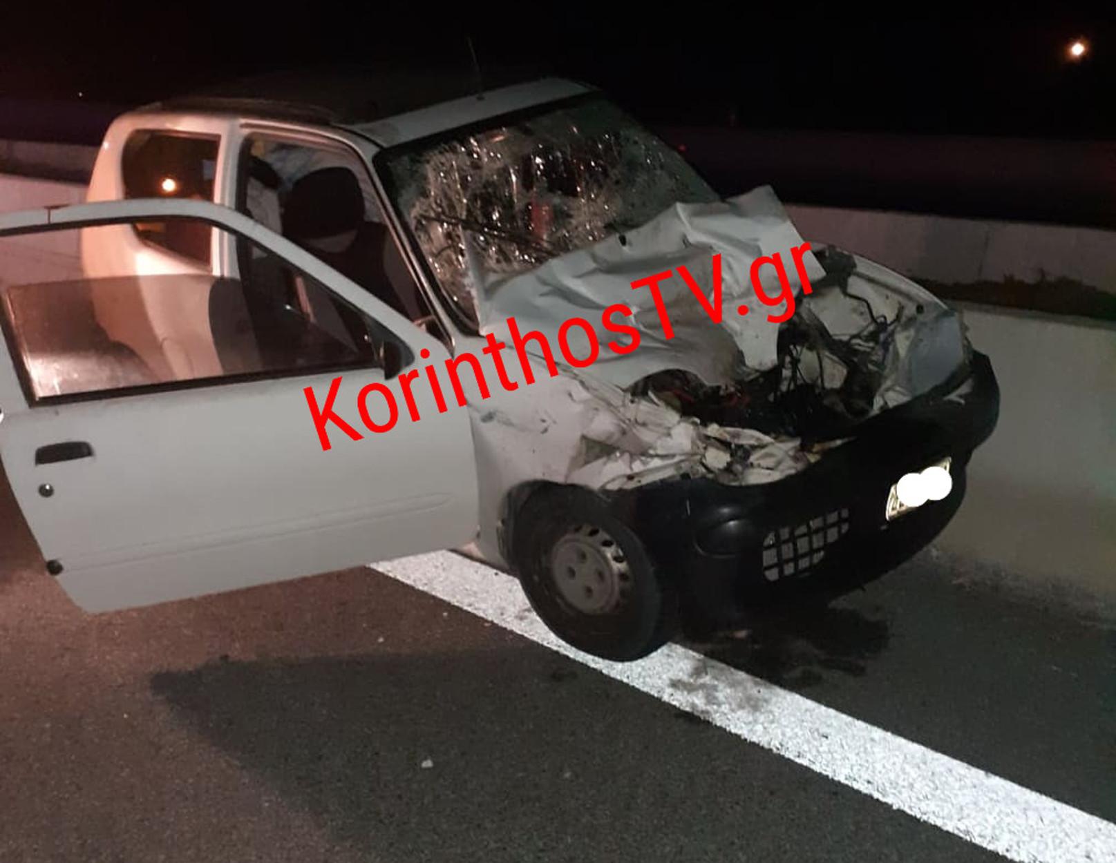 Ξυλόκαστρο: Αυτοκίνητο «καρφώθηκε» σε νταλίκα στην Πατρών – Κορίνθου