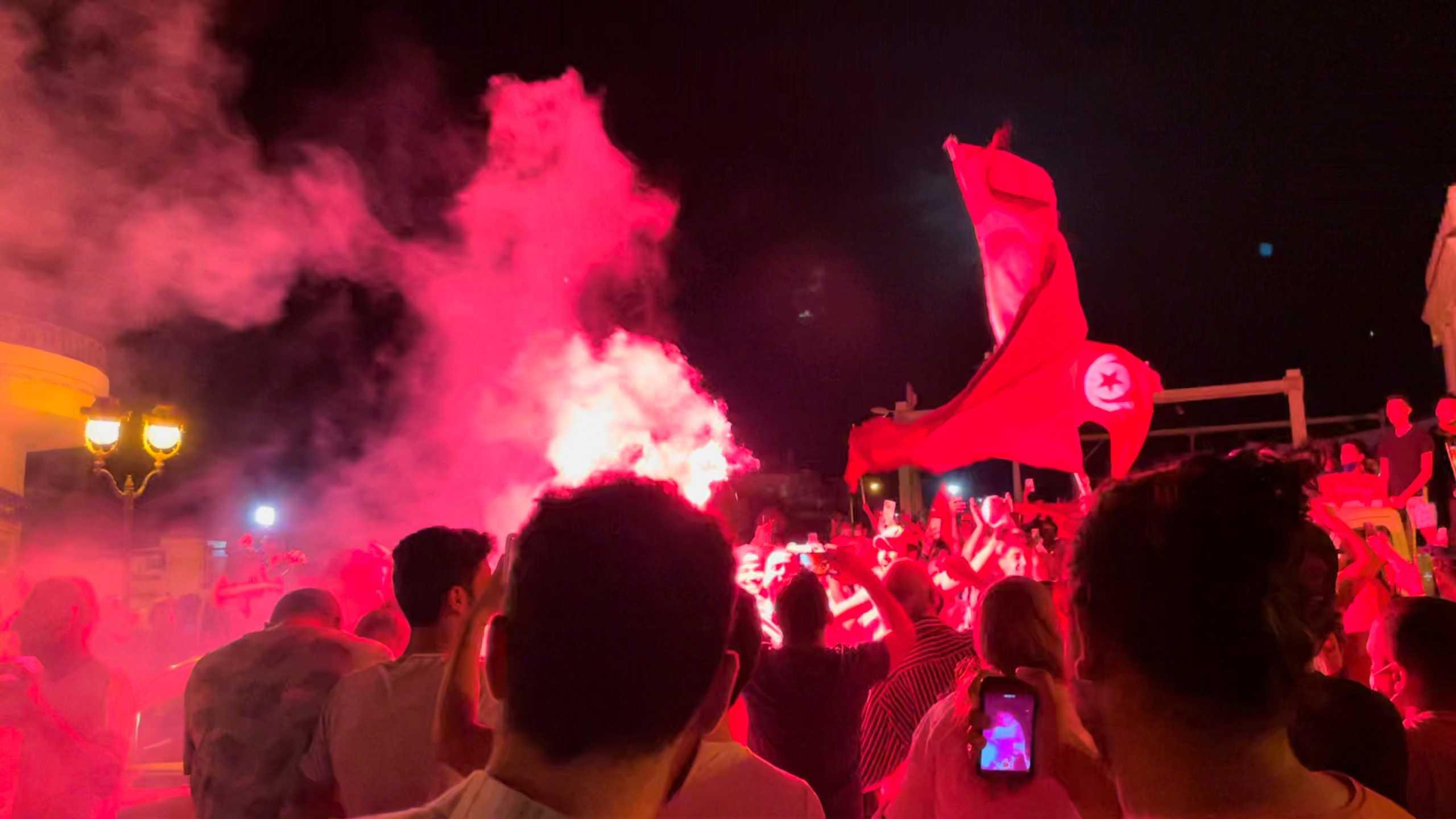 Τυνησία: Χάος στη χώρα! Ο πρόεδρος «τελείωσε» πρωθυπουργό και Βουλή