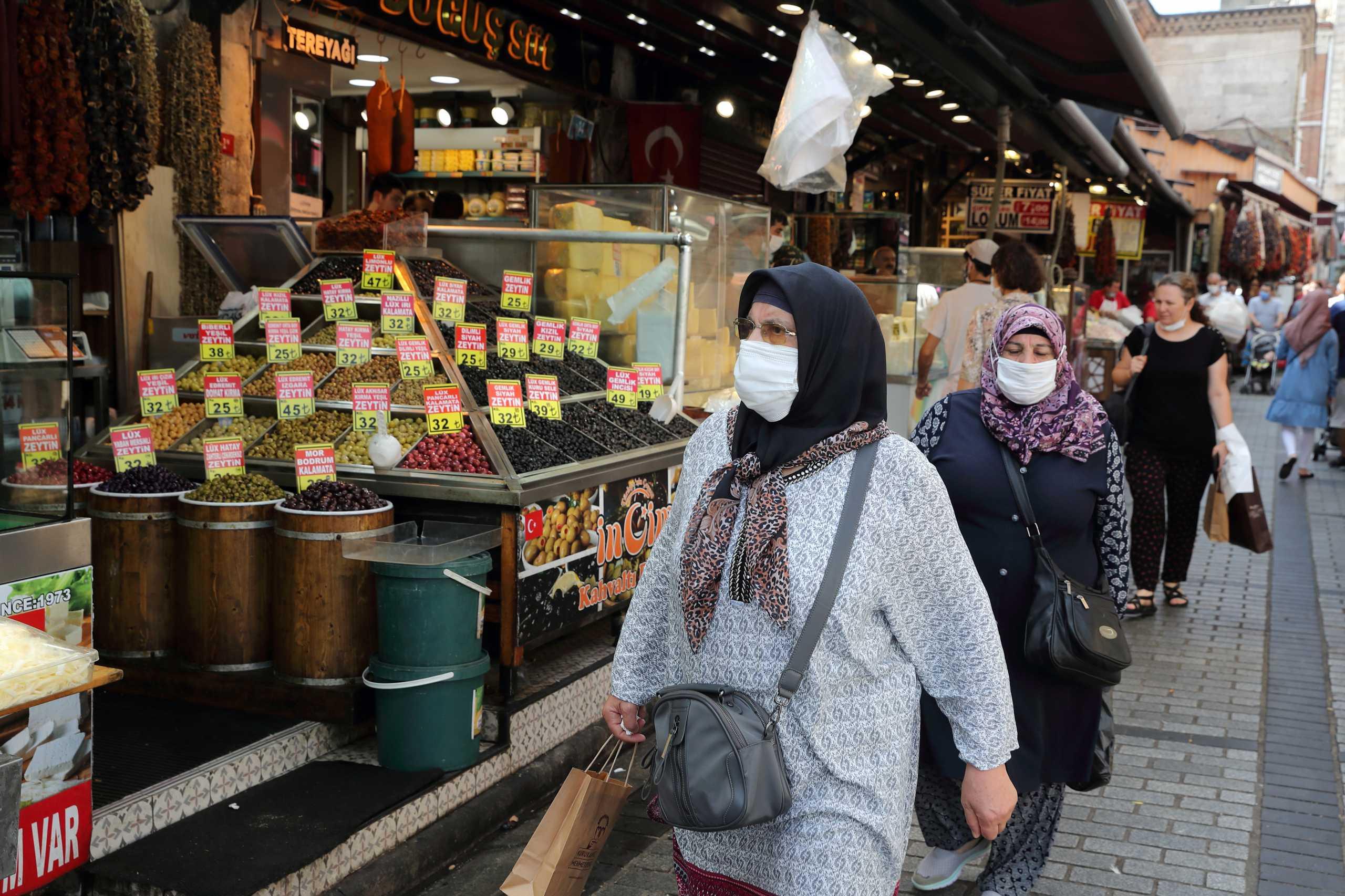 Τουρκία: Αύξηση των ημερήσιων κρουσμάτων κορονοϊού κατά 30% σε μια εβδομάδα