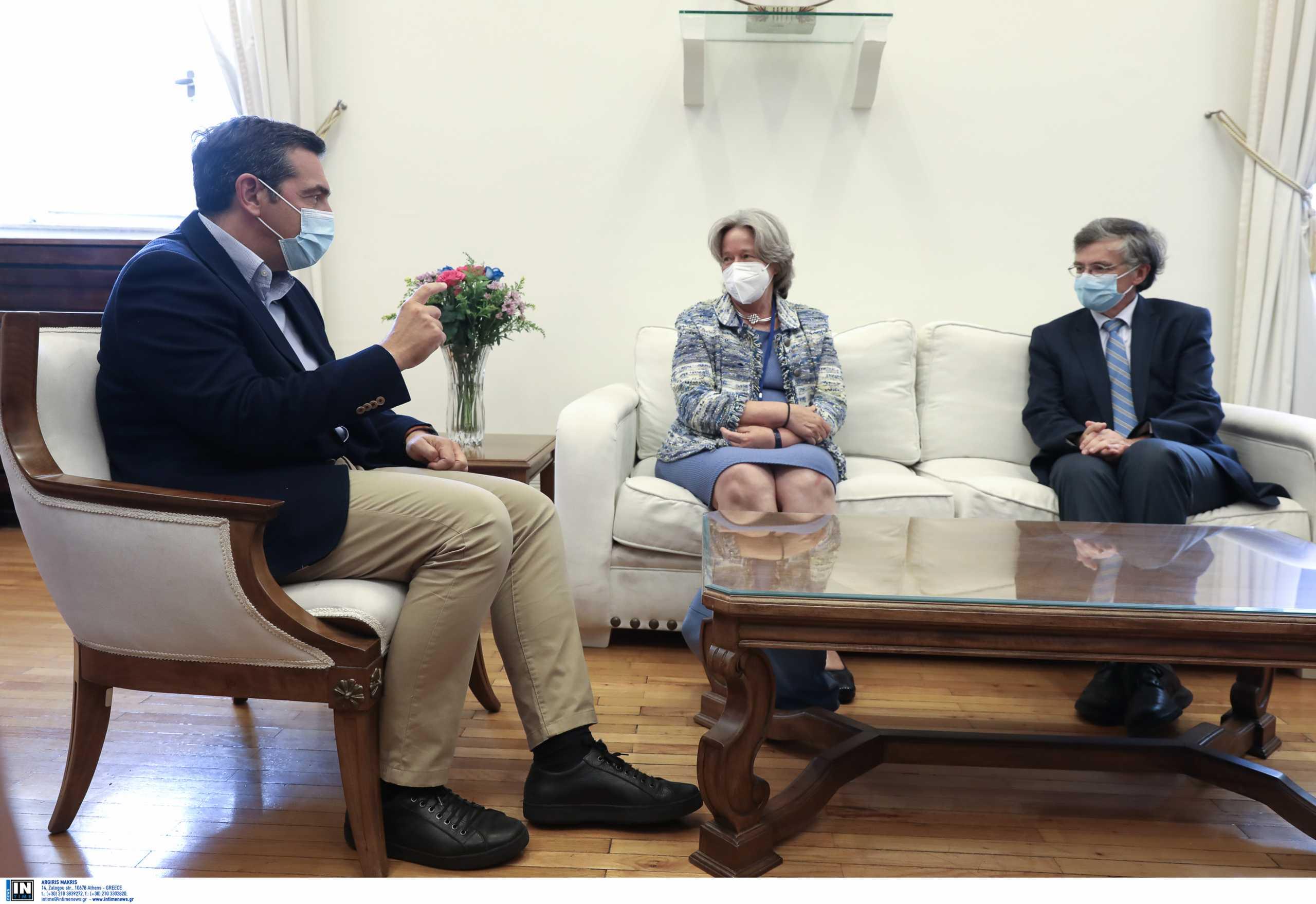 Αλέξης Τσίπρας: «Έκκληση στους πολίτες να αγνοήσουν τον διχαστικό λόγο του κ. Μητσοτάκη και να εμβολιαστούν»