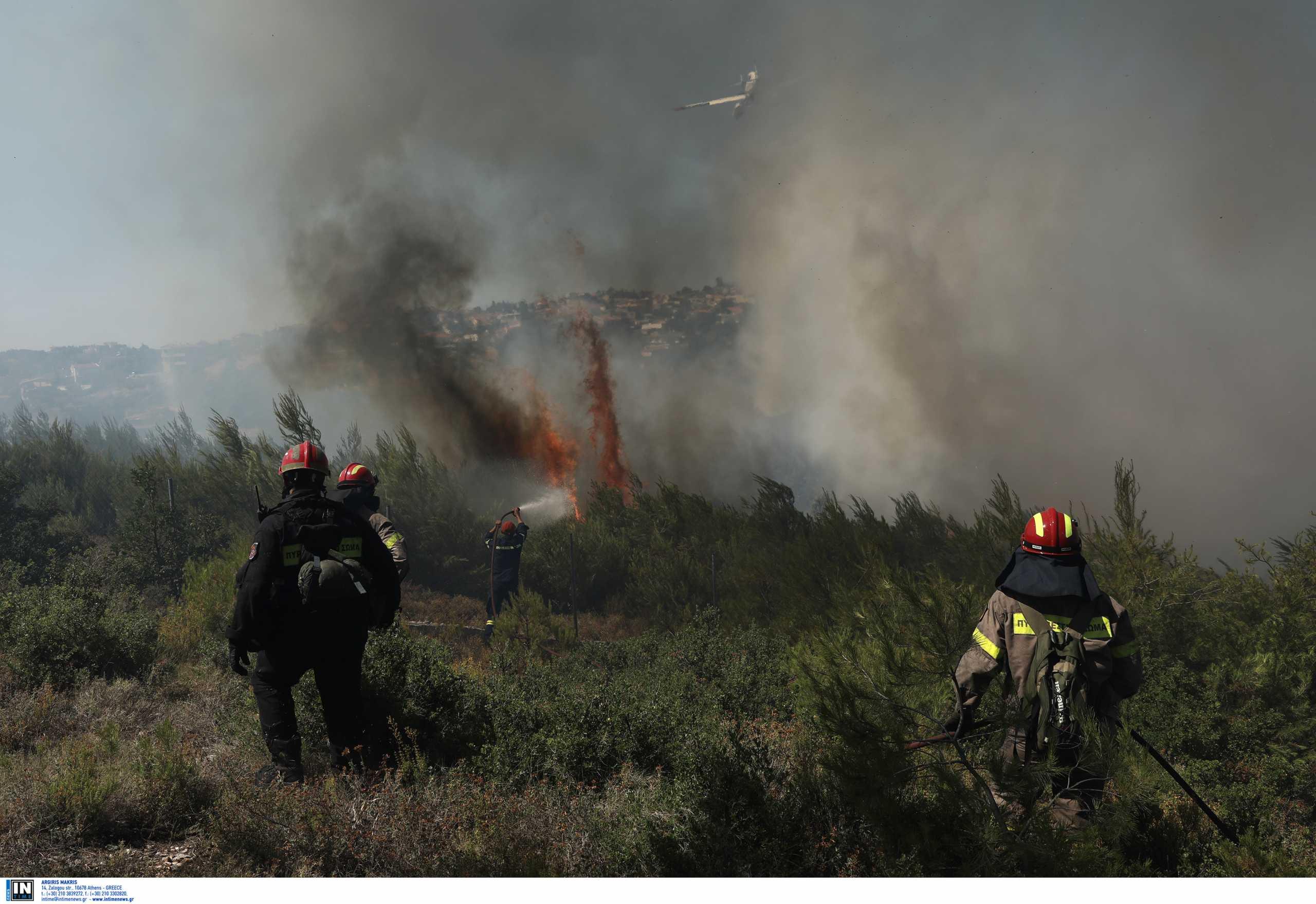 Φωτιά στον Βαρνάβα: Στο σημείο αντιπροσωπεία του ΚΚΕ