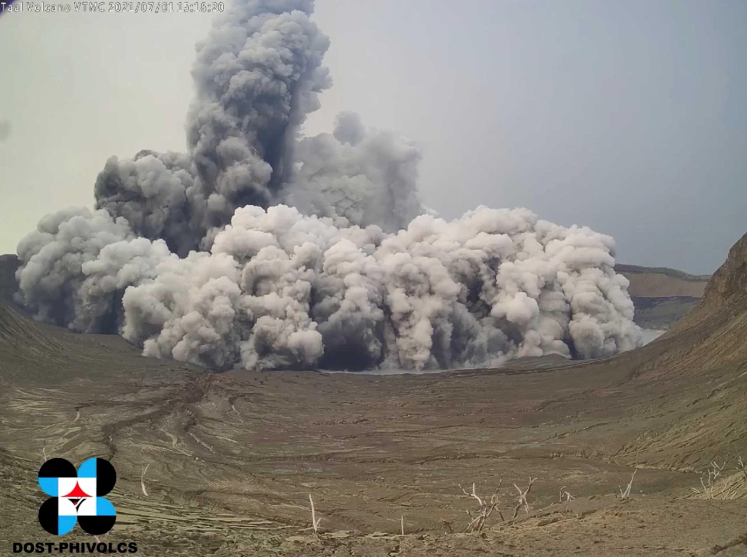 Φιλιππίνες: Τοξικό αέριο ηφαιστείου απειλεί τη Μανίλα