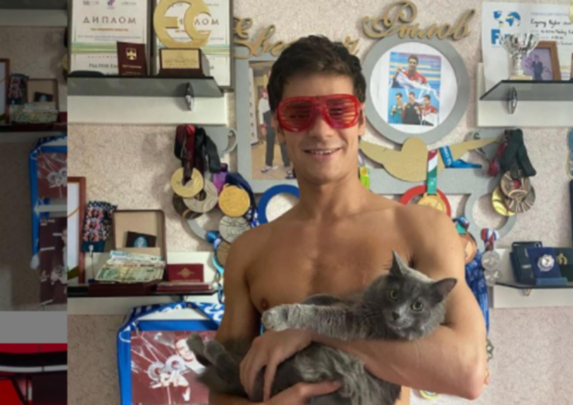 Ολυμπιακοί Αγώνες: Αθλητής ζήτησε να πάρει το χρυσό μετάλλιο φορώντας μάσκα γάτας