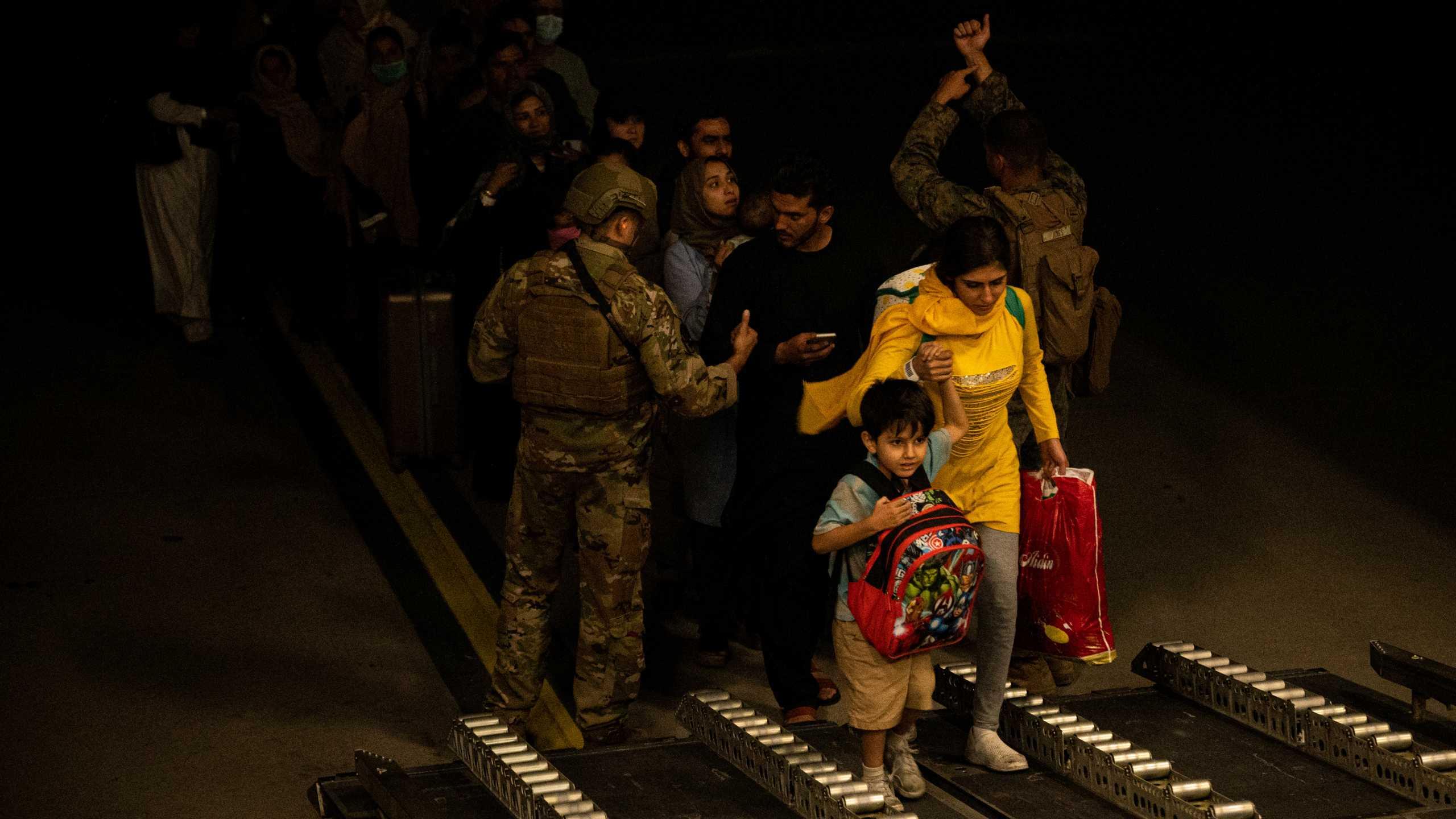Αφγανιστάν: Ελικόπτερα παρέλαβαν 169 Αμερικανούς από ξενοδοχείο της Καμπούλ – Οι Ταλιμπάν ανακοινώνουν νέο κυβερνητικό πλαίσιο