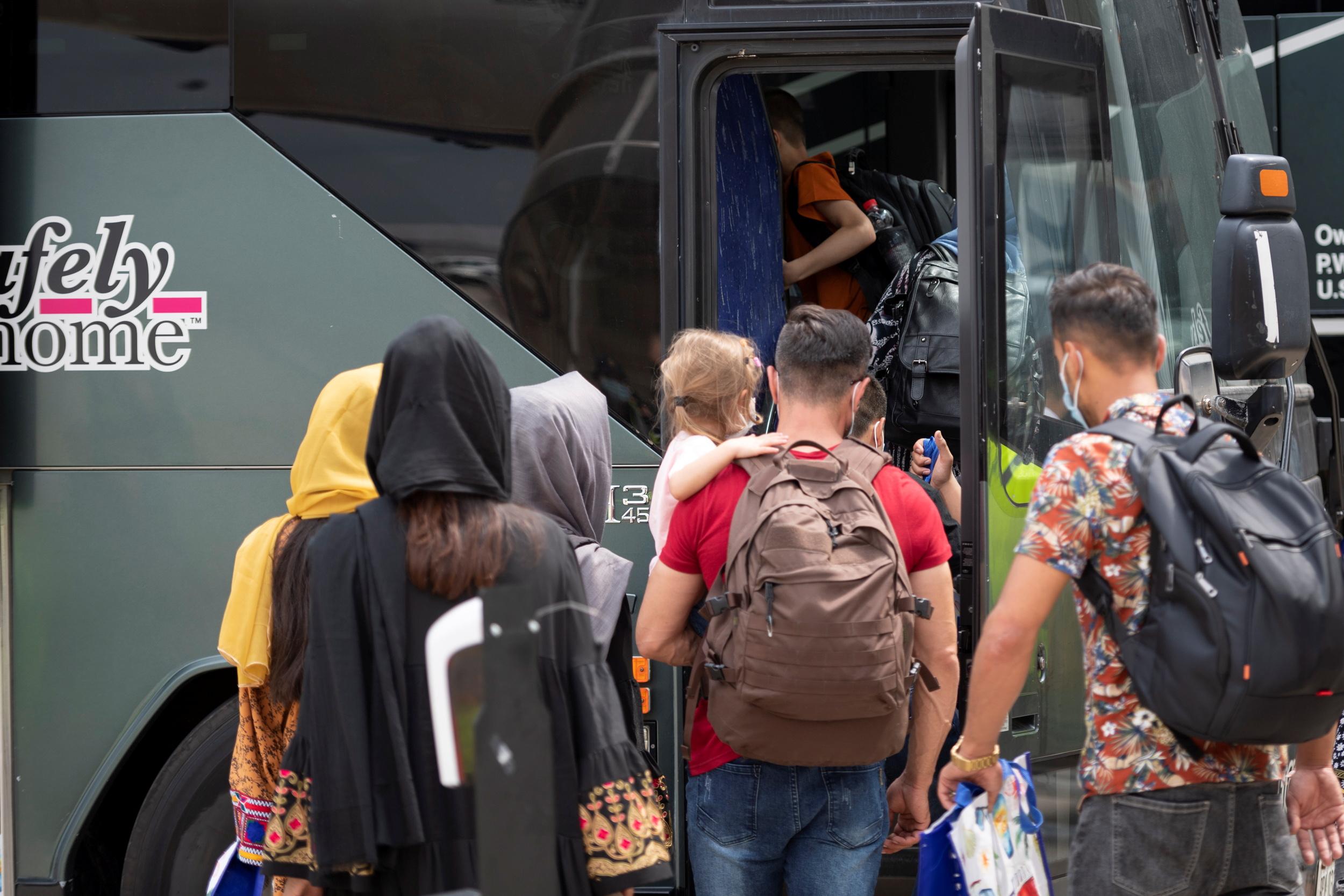 Η Βιέννη προτείνει τη δημιουργία «κέντρων απέλασης» Αφγανών που έχει απορριφθεί η αίτηση ασύλου τους