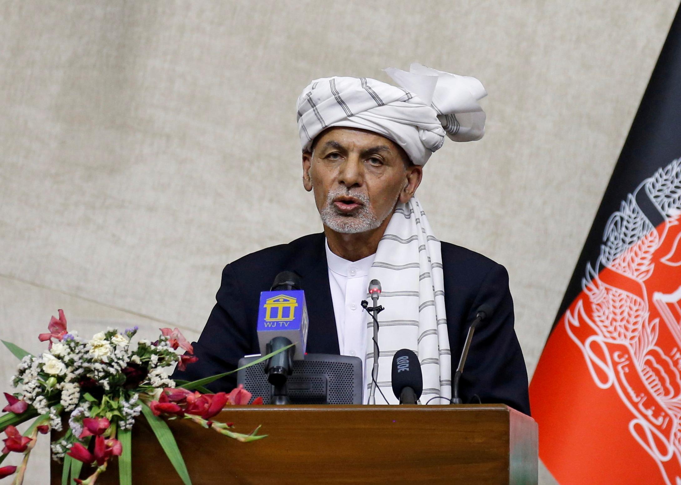 Πρόεδρος του Αφγανιστάν: Λέει ότι έφυγε από την Καμπούλ για να αποτρέψει μια αιματοχυσία