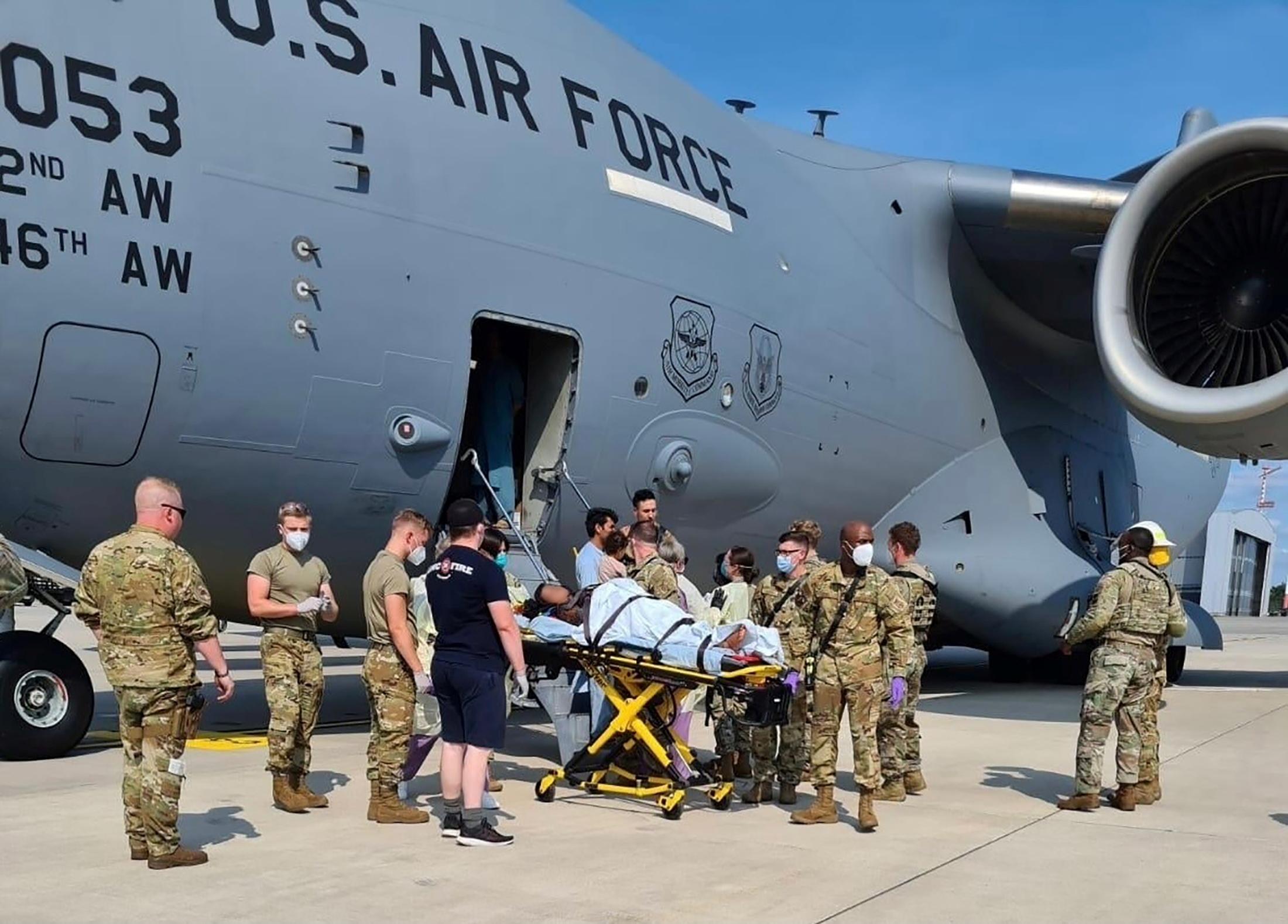 Αφγανιστάν: Κοριτσάκι που γεννήθηκε σε αεροπλάνο των ΗΠΑ σε επιχείρηση απομάκρυνσης πήρε το όνομα του αεροσκάφους