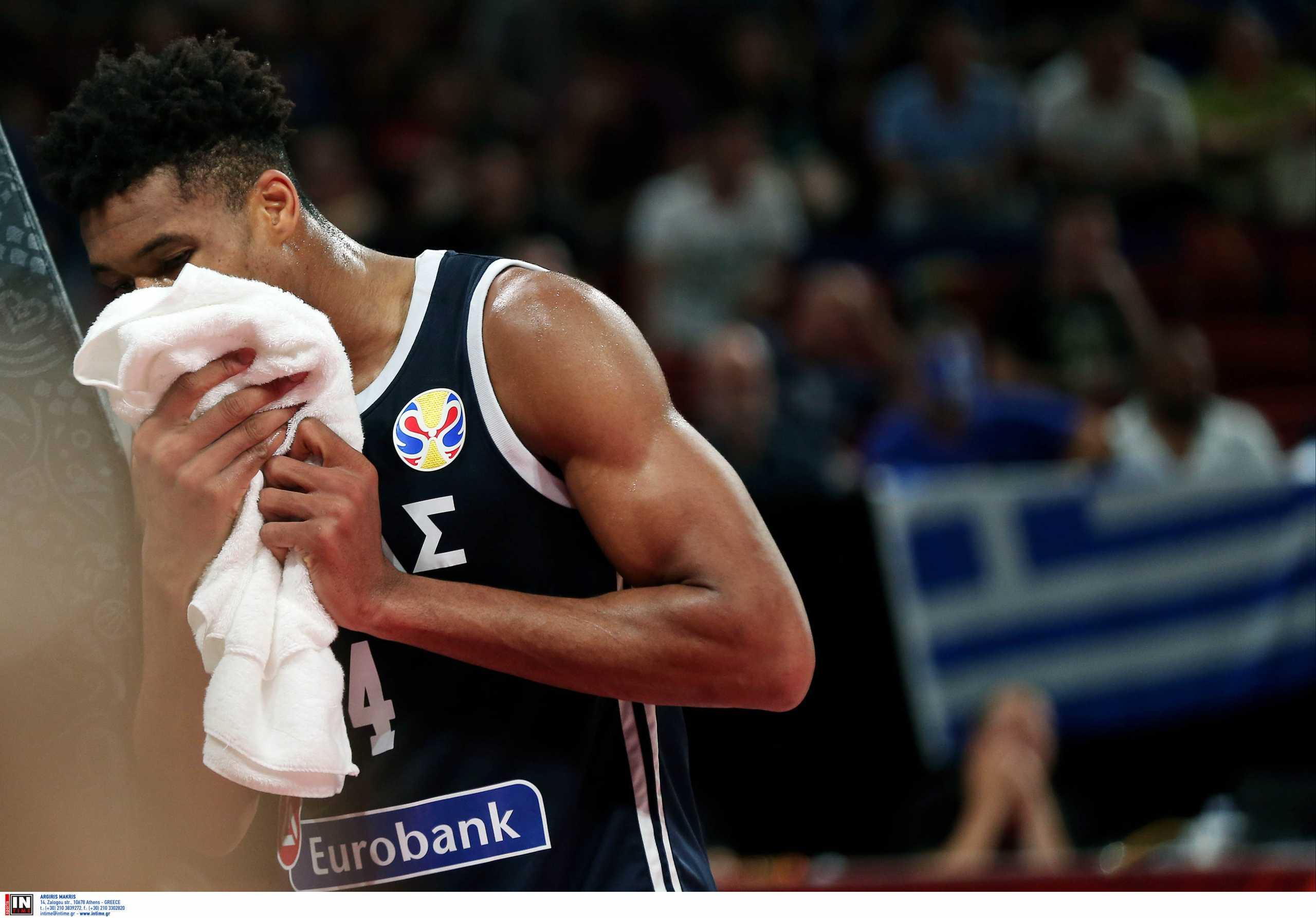Εθνική μπάσκετ: «Έπεσε» τέσσερις θέσεις η Ελλάδα στη βαθμολογία της FIBA