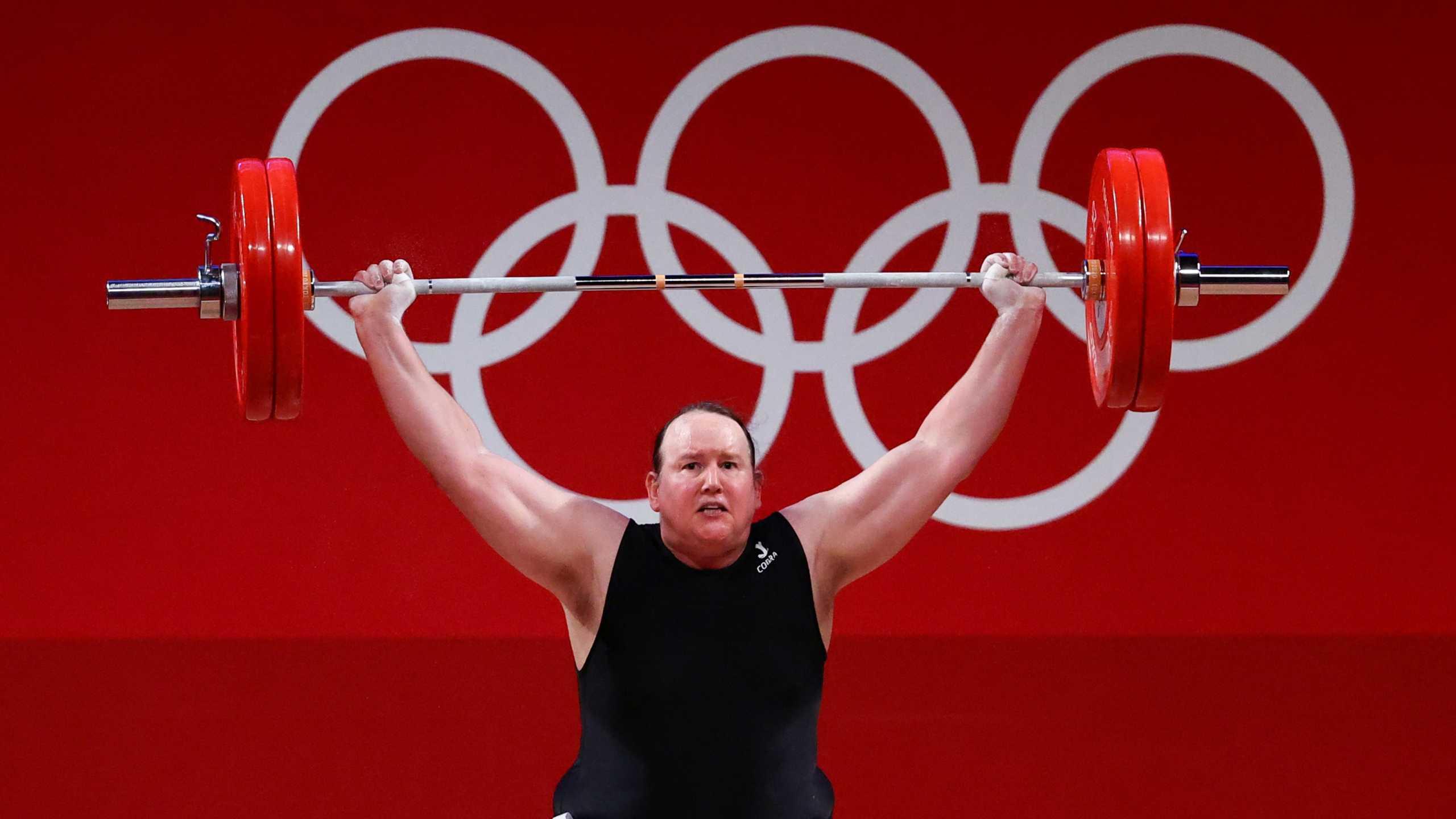 Λόρελ Χάμπαρντ: Η πρώτη τρανς αθλήτρια που άνοιξε το «δρόμο» στους Ολυμπιακούς Αγώνες