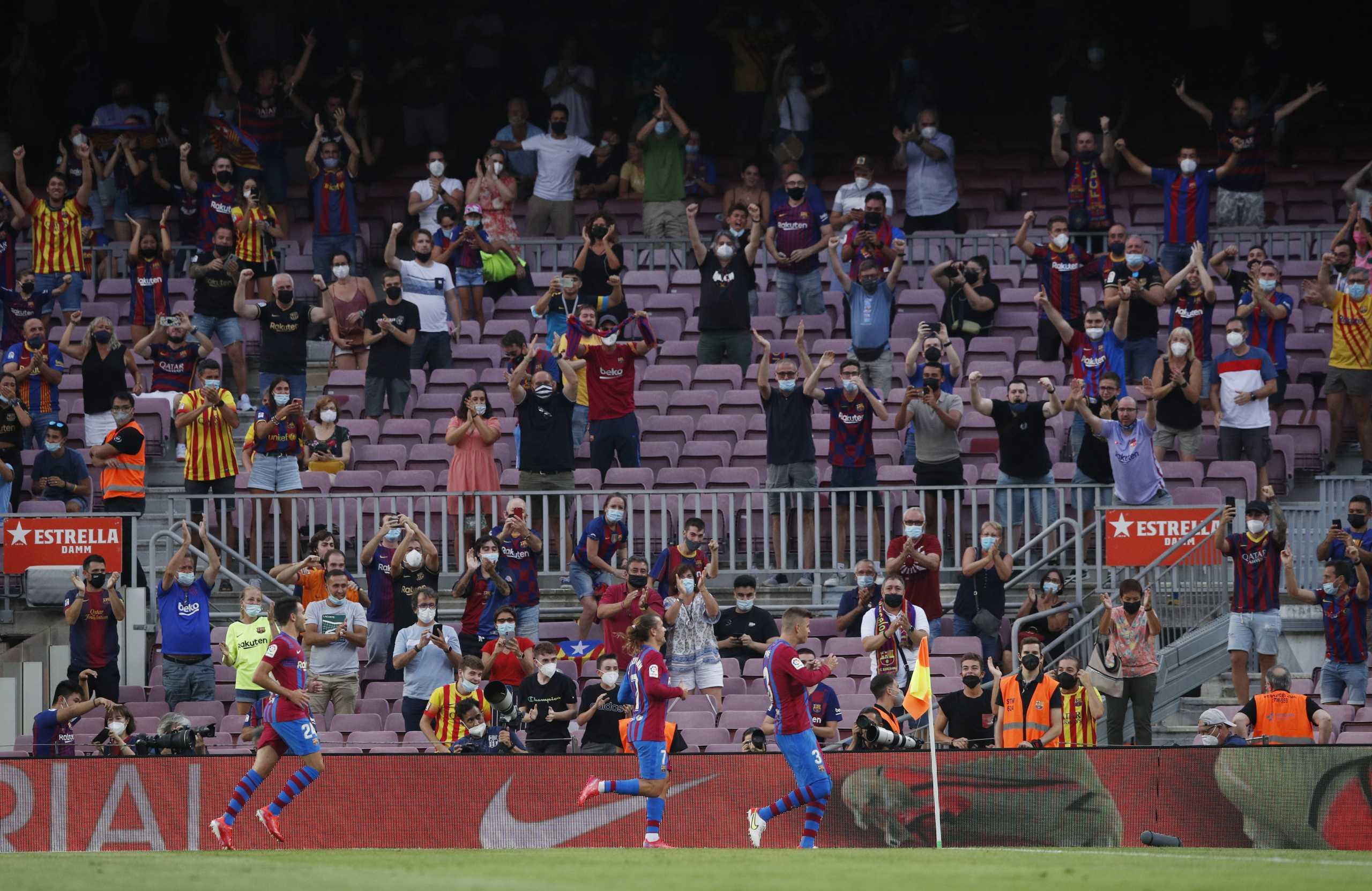 Μπαρτσελόνα: Το «Καμπ Νου» τίμησε τον Μέσι στο 10ο λεπτό του ματς με την Σοσιεδάδ