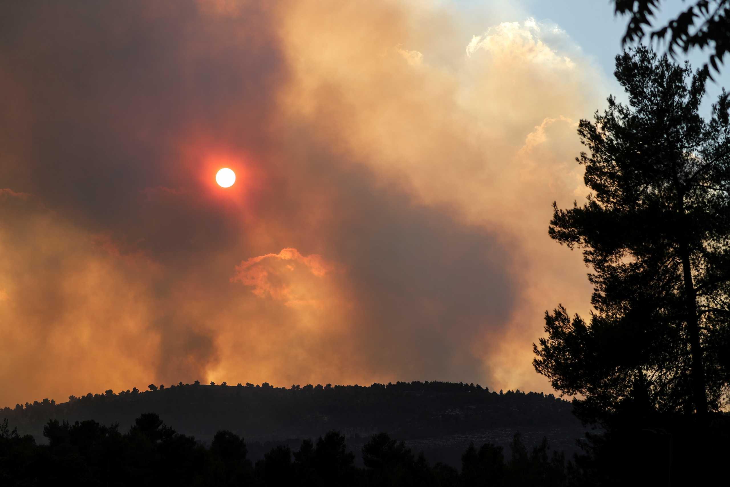 Ισπανία: 1.000 άνθρωποι απομακρύνθηκαν από τα σπίτια τους λόγω της μεγάλης πυρκαγιάς