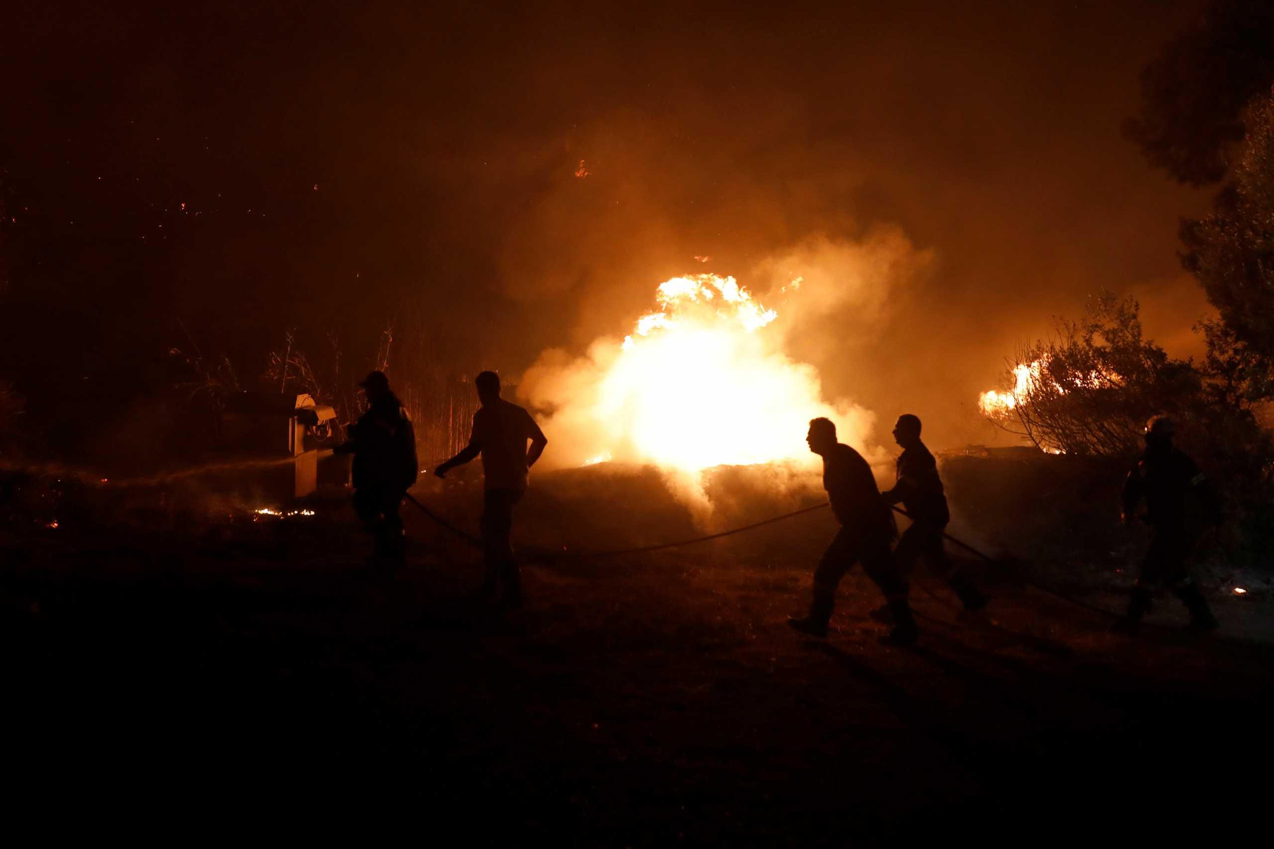 Φωτιά στην Εύβοια: Κλιμάκια ψυχολόγων και κοινωνικών λειτουργών στην περιοχή για τους πληγέντες