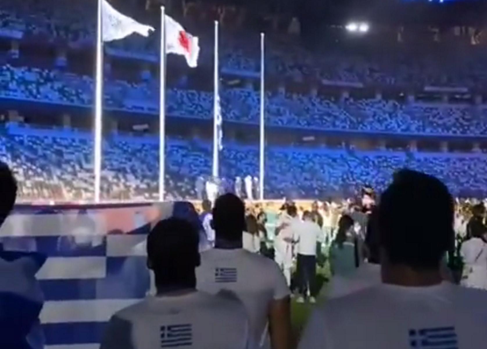 Εθνική πόλο: Οι διεθνείς τραγούδησαν τον Εθνικό ύμνο στην Τελετή Λήξης των Ολυμπιακών Αγώνων
