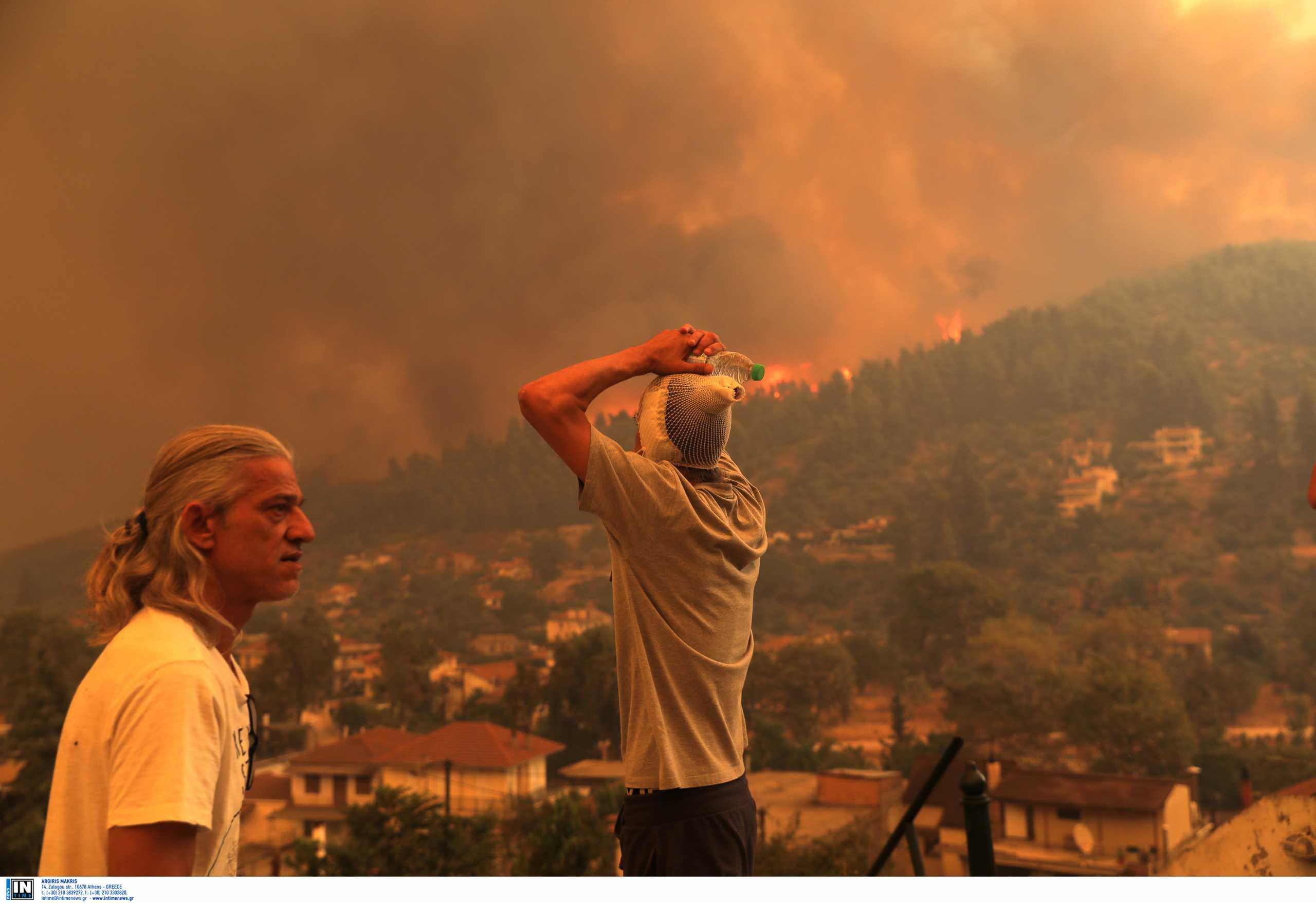Φωτιές στην Εύβοια: Συγκλονιστικές εικόνες στα διεθνή ΜΜΕ – «Πρωταγωνίστρια» η κ. Παναγιώτα από τις Γούβες