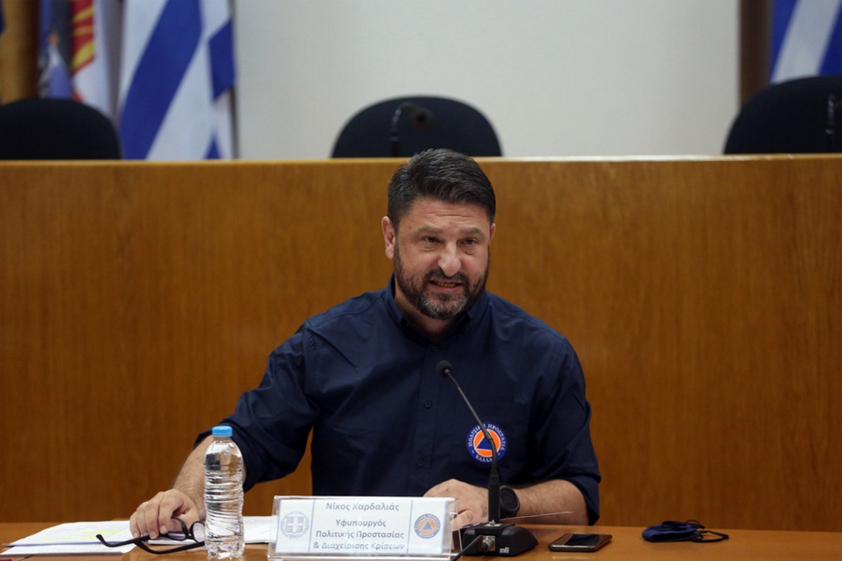 «Ο πρωθυπουργός έχει συγκλονιστεί με αυτό που έχει συμβεί» – Η ερώτηση του newsit.gr που λύγισε τον Νίκο Χαρδαλιά