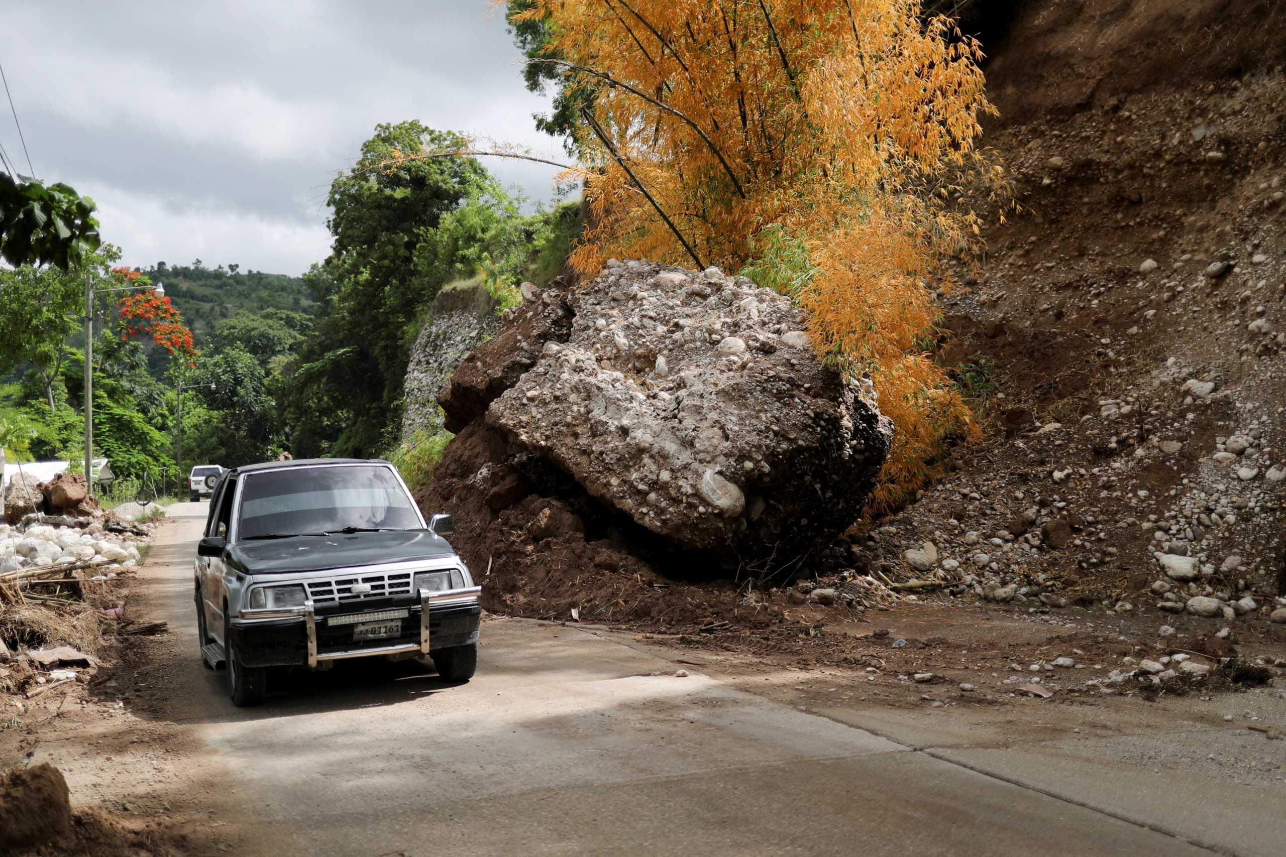 Σεισμός στην Αϊτή: 2.189 οι νεκροί των 7,2 ρίχτερ – Οι πλημμύρες δυσκολεύουν το έργο των διασωστών