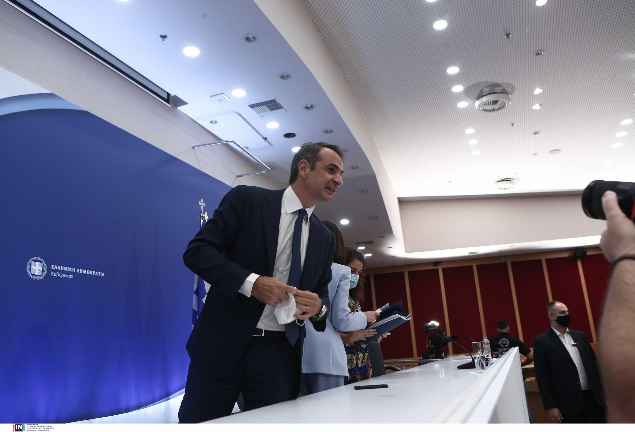 «Ο κ. Μητσοτάκης δεν έχει αντιληφθεί το μέγεθος της καταστροφής» – Οι πρώτες πολιτικές αντιδράσεις στη συνέντευξη του πρωθυπουργού
