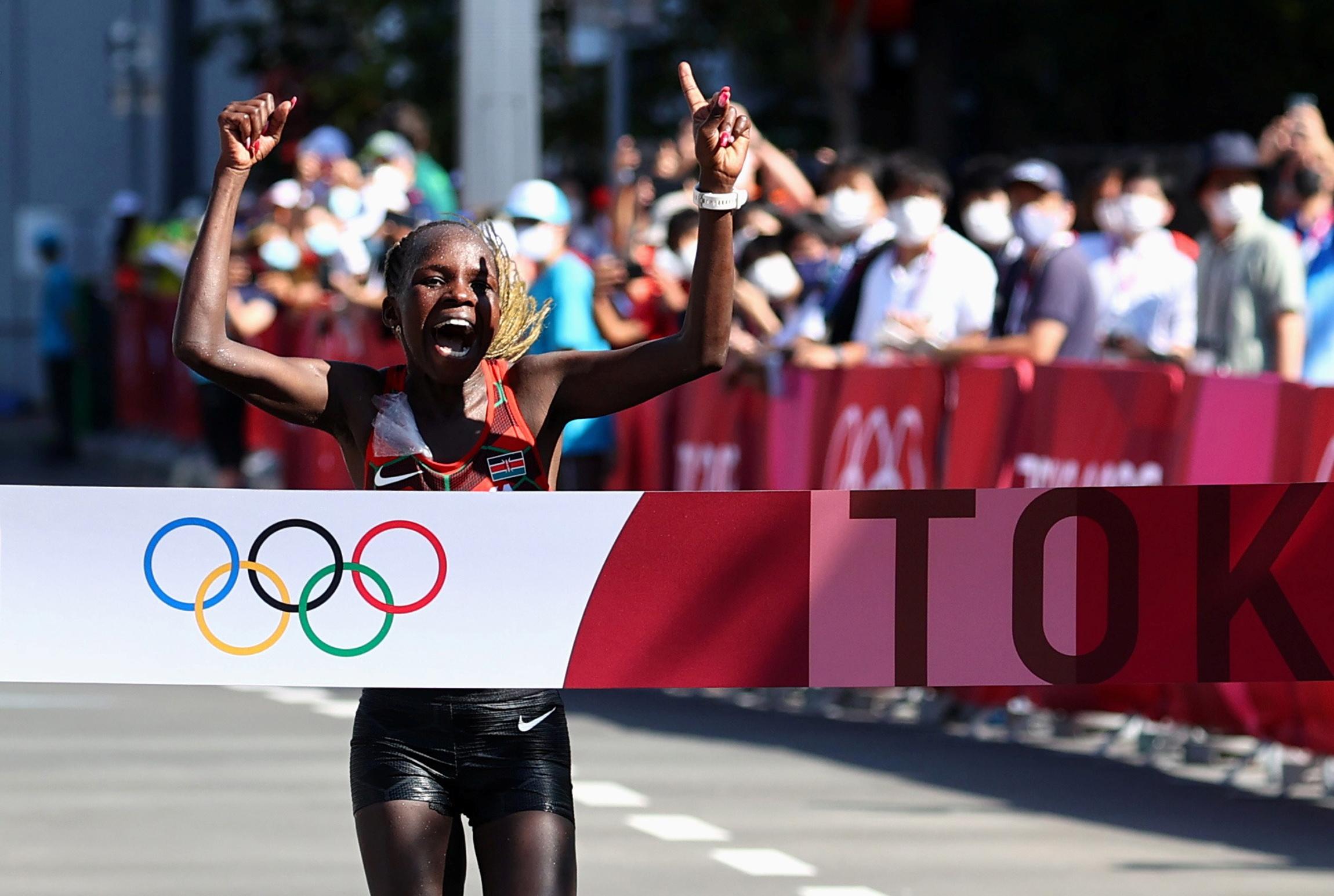 Ολυμπιακοί Αγώνες: «Χρυσή» η Γιεπτσιρτσίρ στον Μαραθώνιο γυναικών και 1-2 για την Κένυα