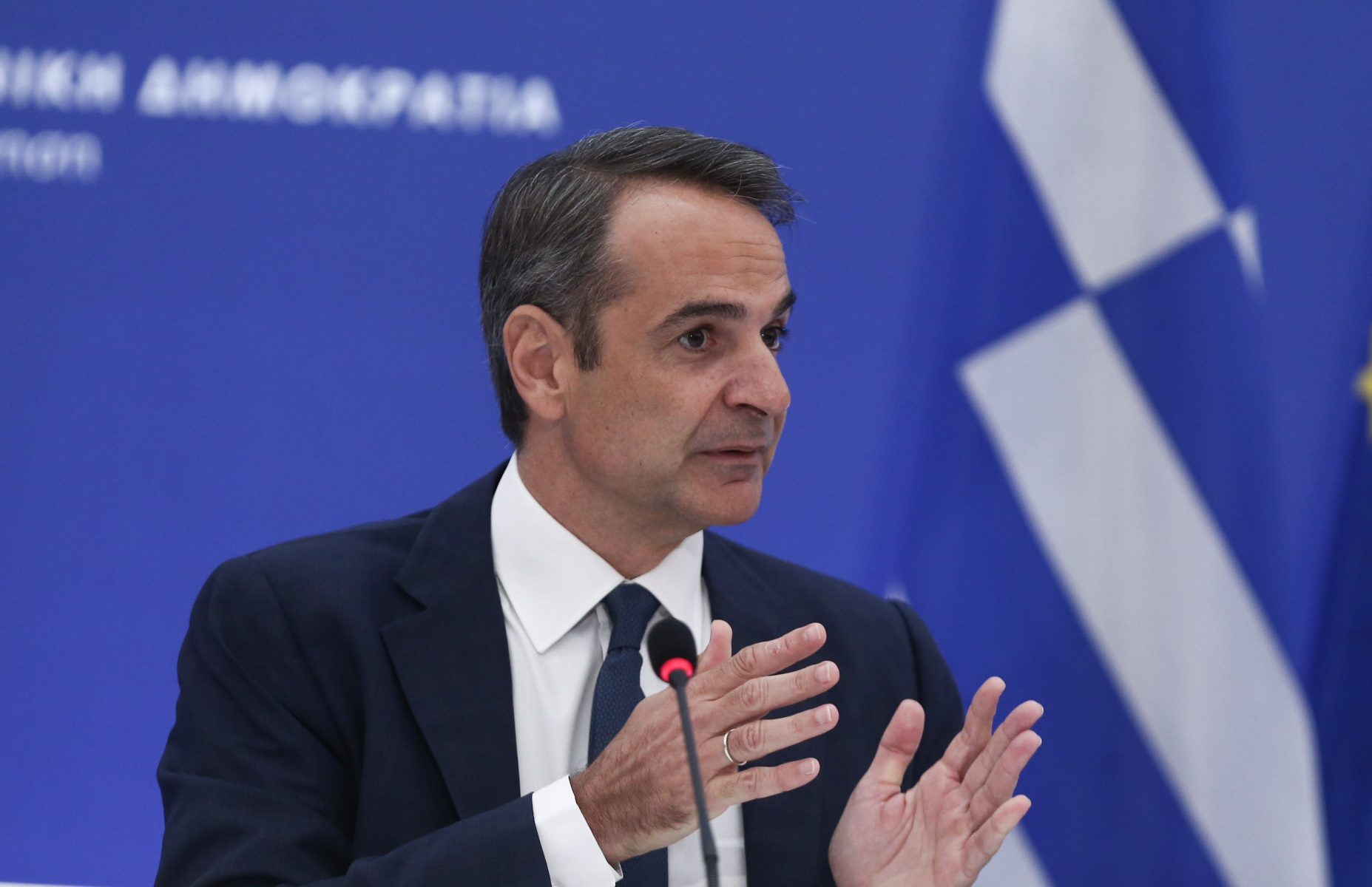 «Ο ανασχηματισμός είναι ένα θέμα που αφορά μόνο τον πρωθυπουργό»