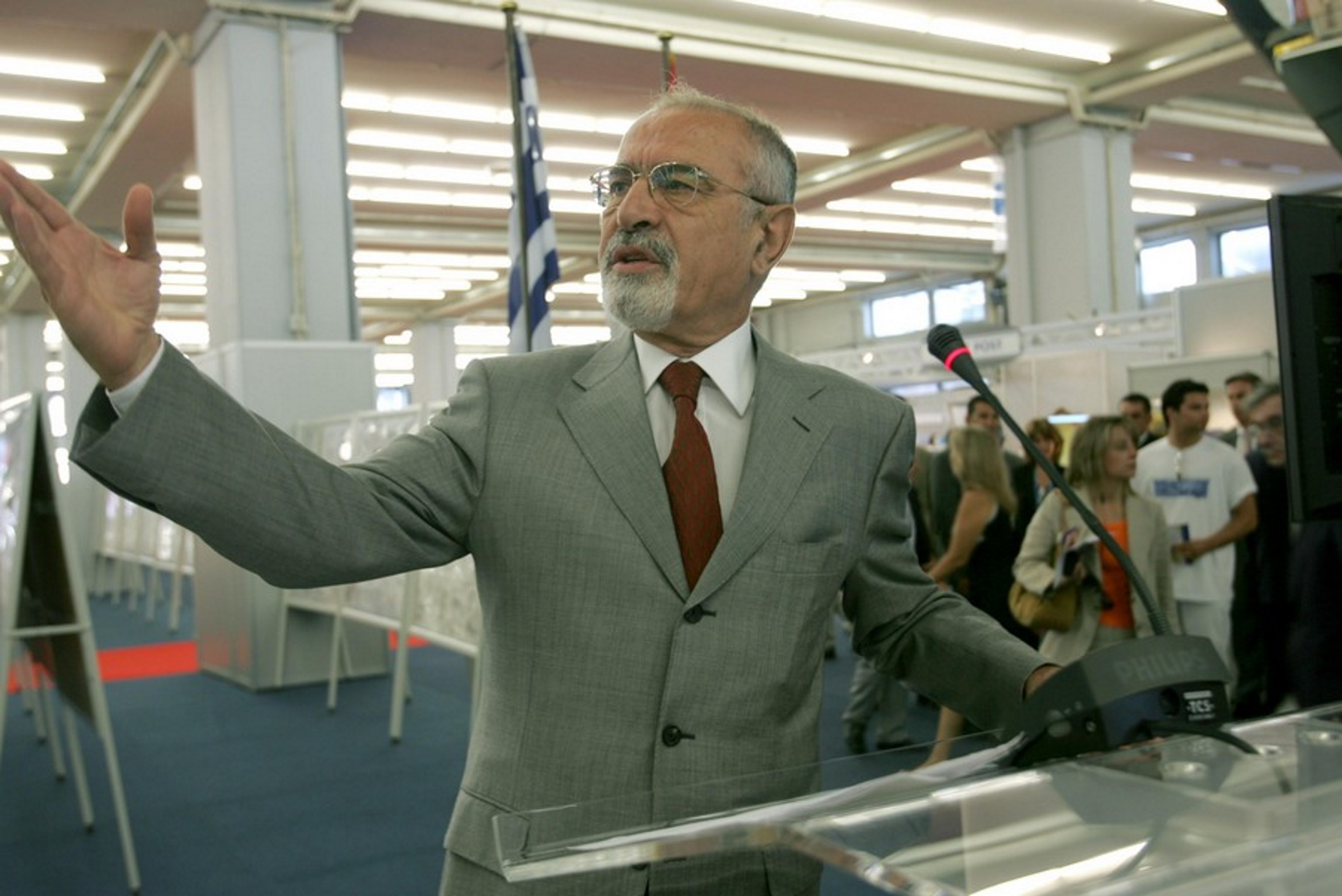 Άγγελος Μπρατάκος: Η Νέα Δημοκρατία αποχαιρετά ένα ιστορικό της στέλεχος