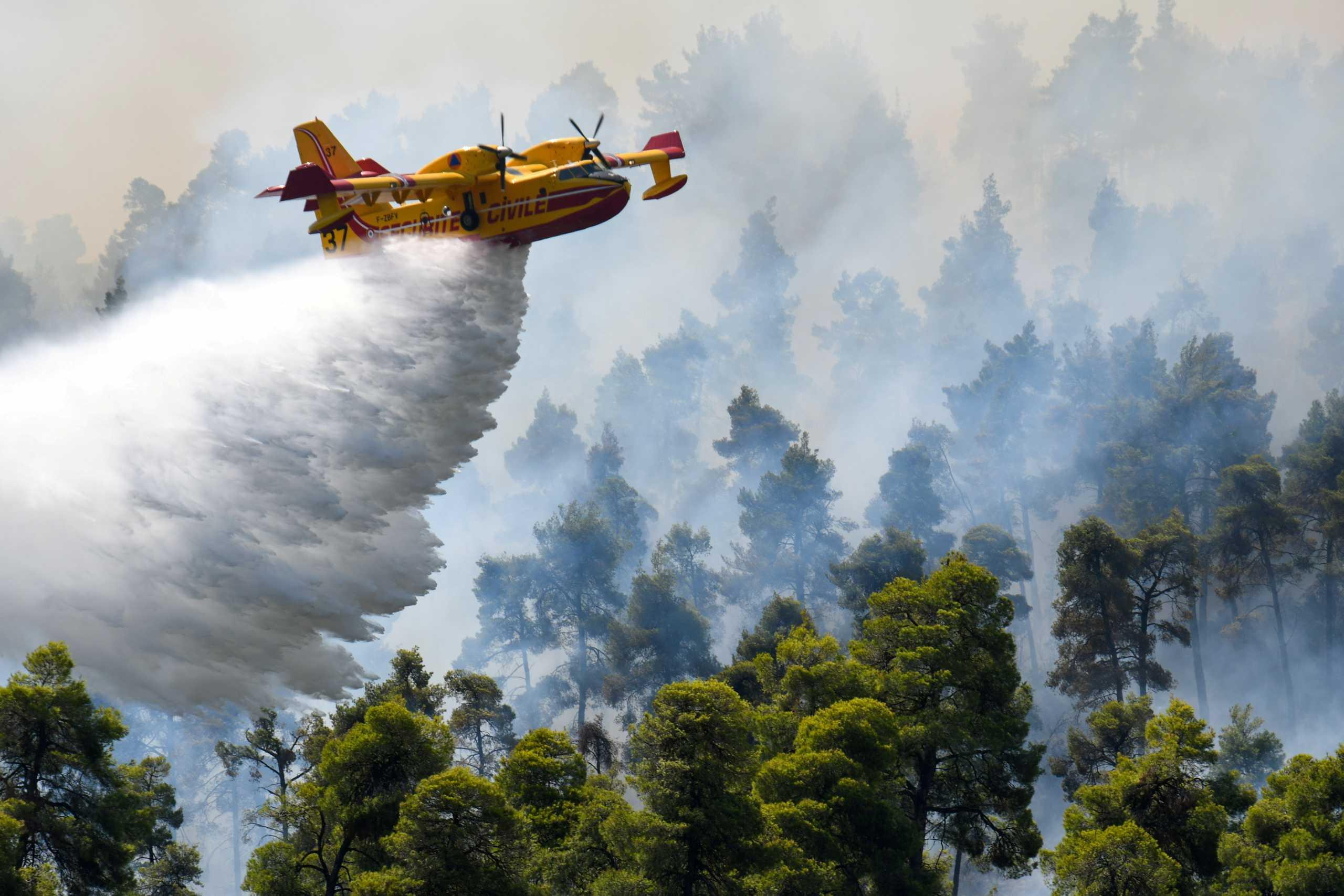 «Μαχόμενη» Πολεμική Αεροπορία: Αναλυτικά η συνδρομή της στις πυρκαγιές!