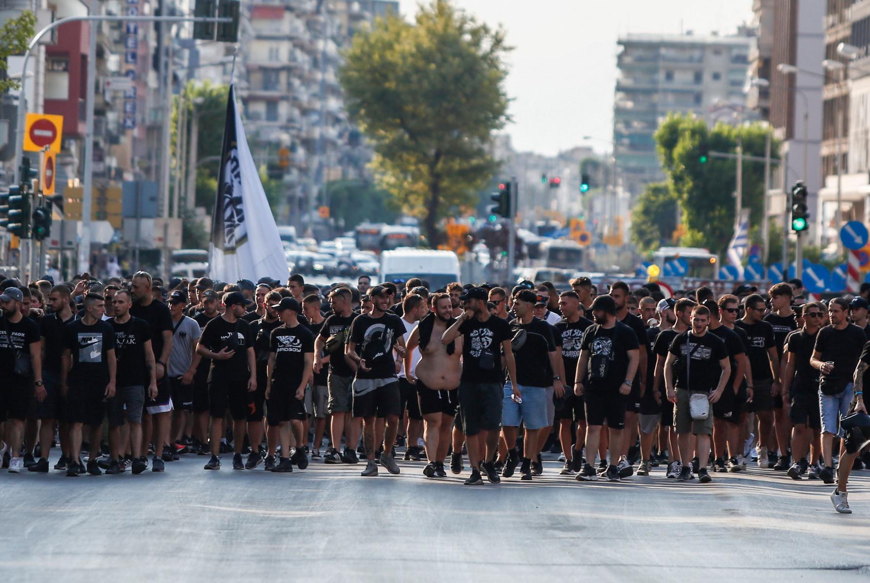 ΠΑΟΚ: Πορεία διαμαρτυρίας των οπαδών για διαχωρισμούς και αθλητικό νόμο