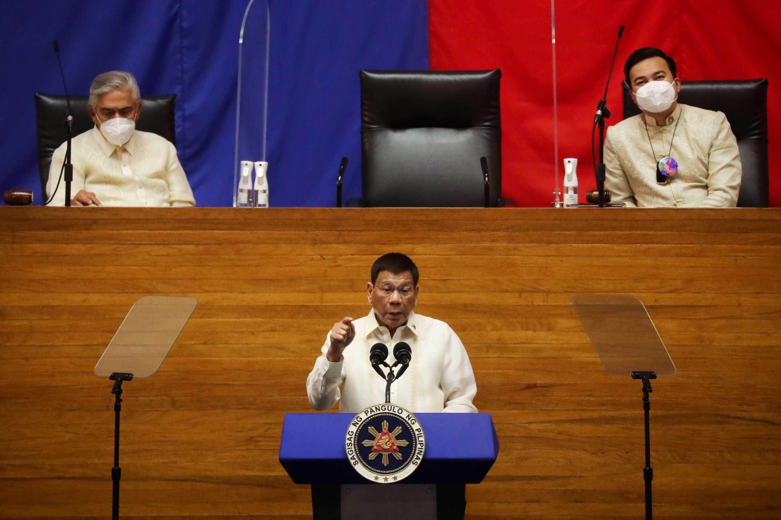 Φιλιππίνες: Ο Ροντρίγκο Ντουτέρτε «κατεβαίνει» για την αντιπροεδρία με την αντιπολίτευση να «βλέπει» τεχνάσματα