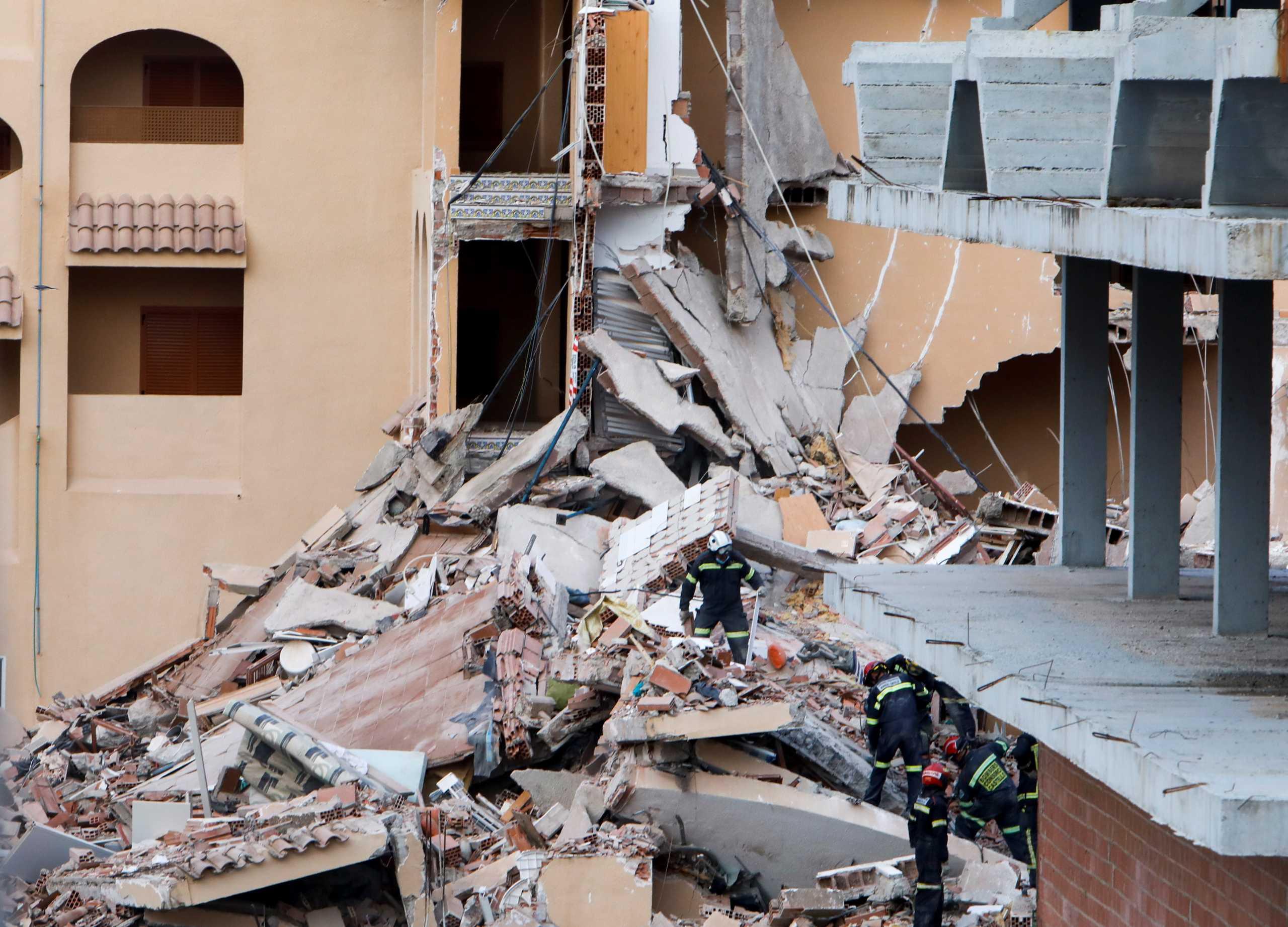 Ισπανία: Νεκρός ανασύρθηκε 15χρονος από ερείπια κτιρίου – Αναζητείται άλλο ένα άτομο
