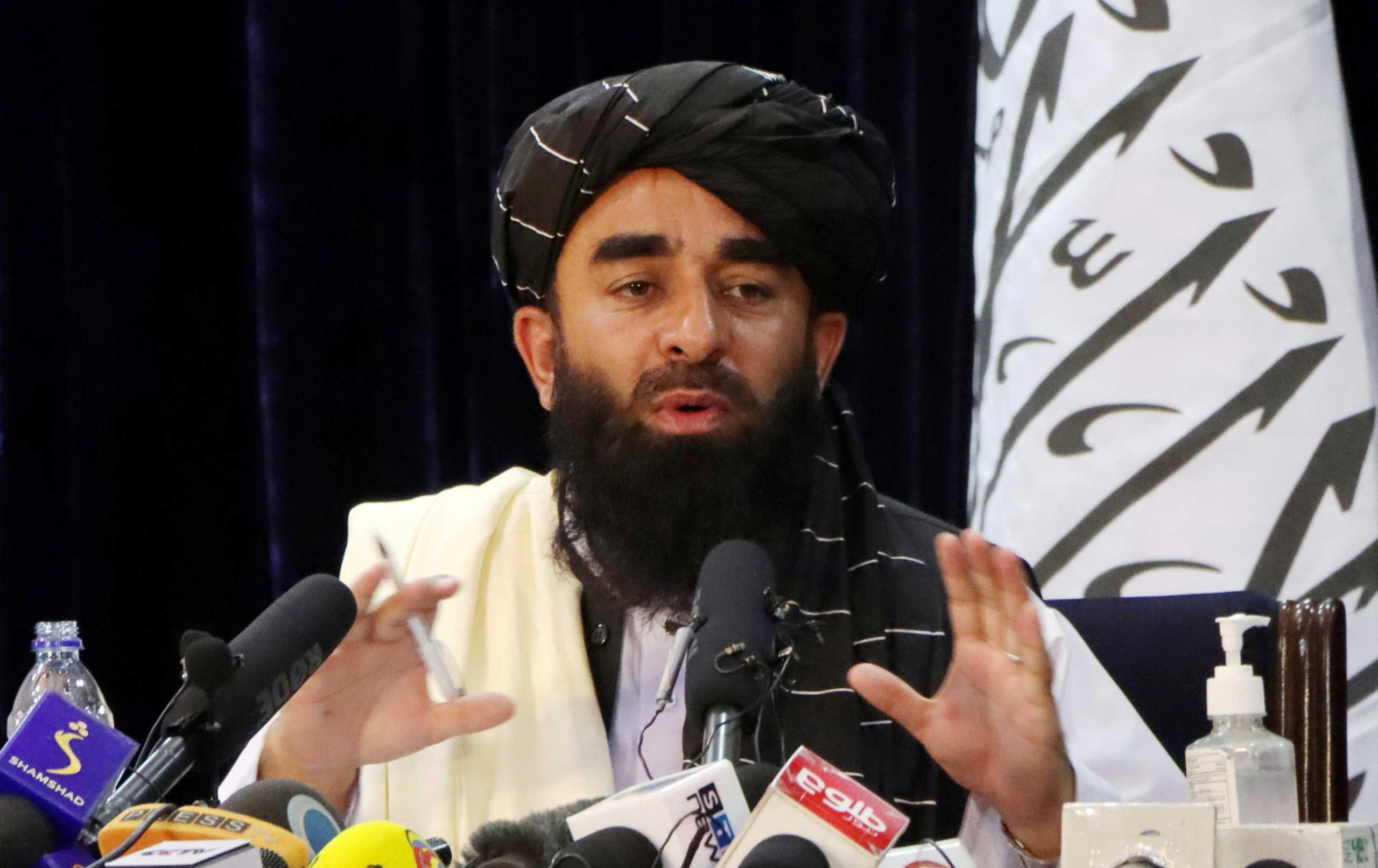 Αφγανιστάν: Οι Ταλιμπάν μπλοκάρουν σε Αφγανούς τον δρόμο για το αεροδρόμιο της Καμπούλ