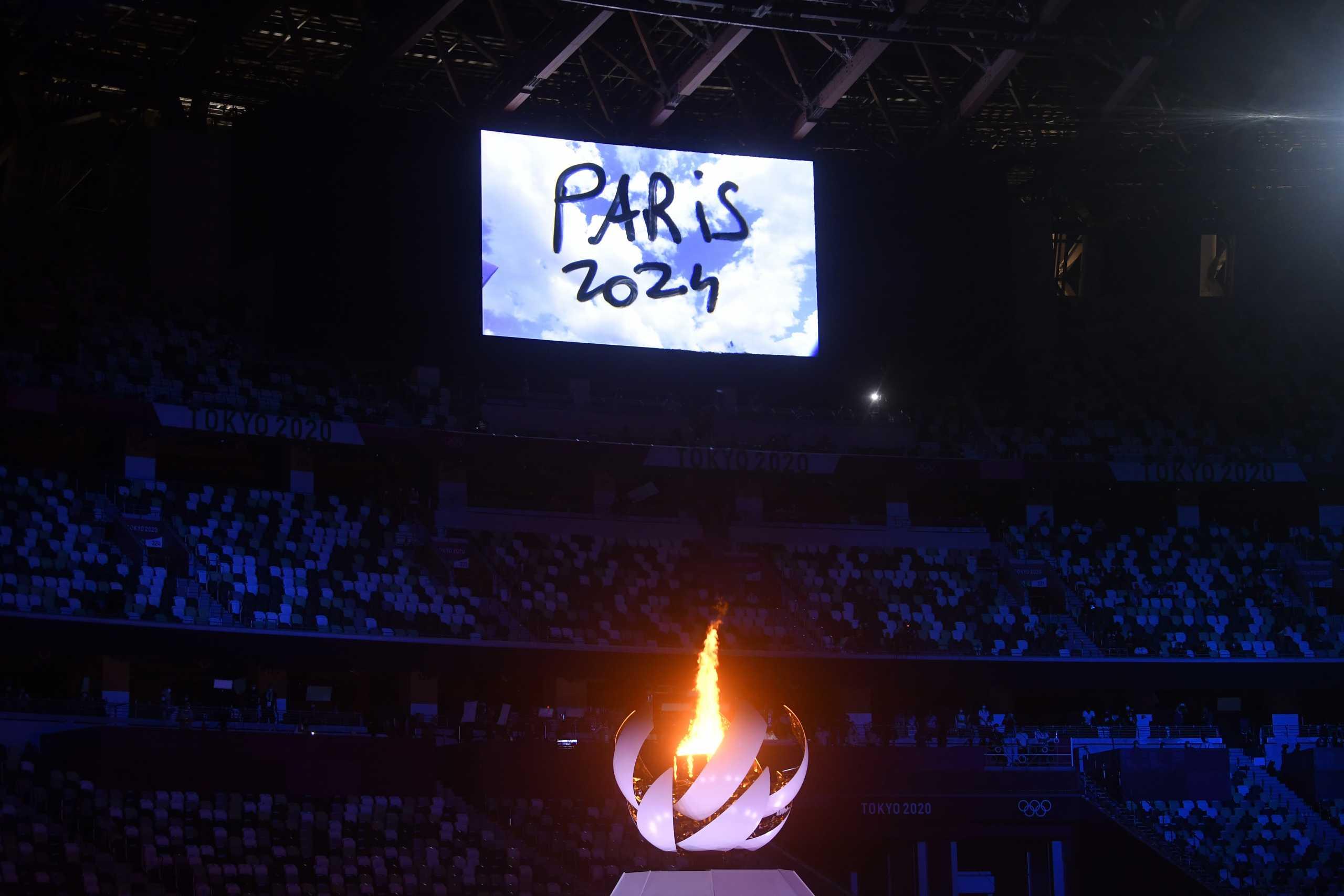 Ολυμπιακοί Αγώνες: Εντυπωσιακή η παράδοση στη Γαλλία στην τελετή λήξης – Η «Μασσαλιώτιδα» από τον Διεθνή Διαστημικό Σταθμό
