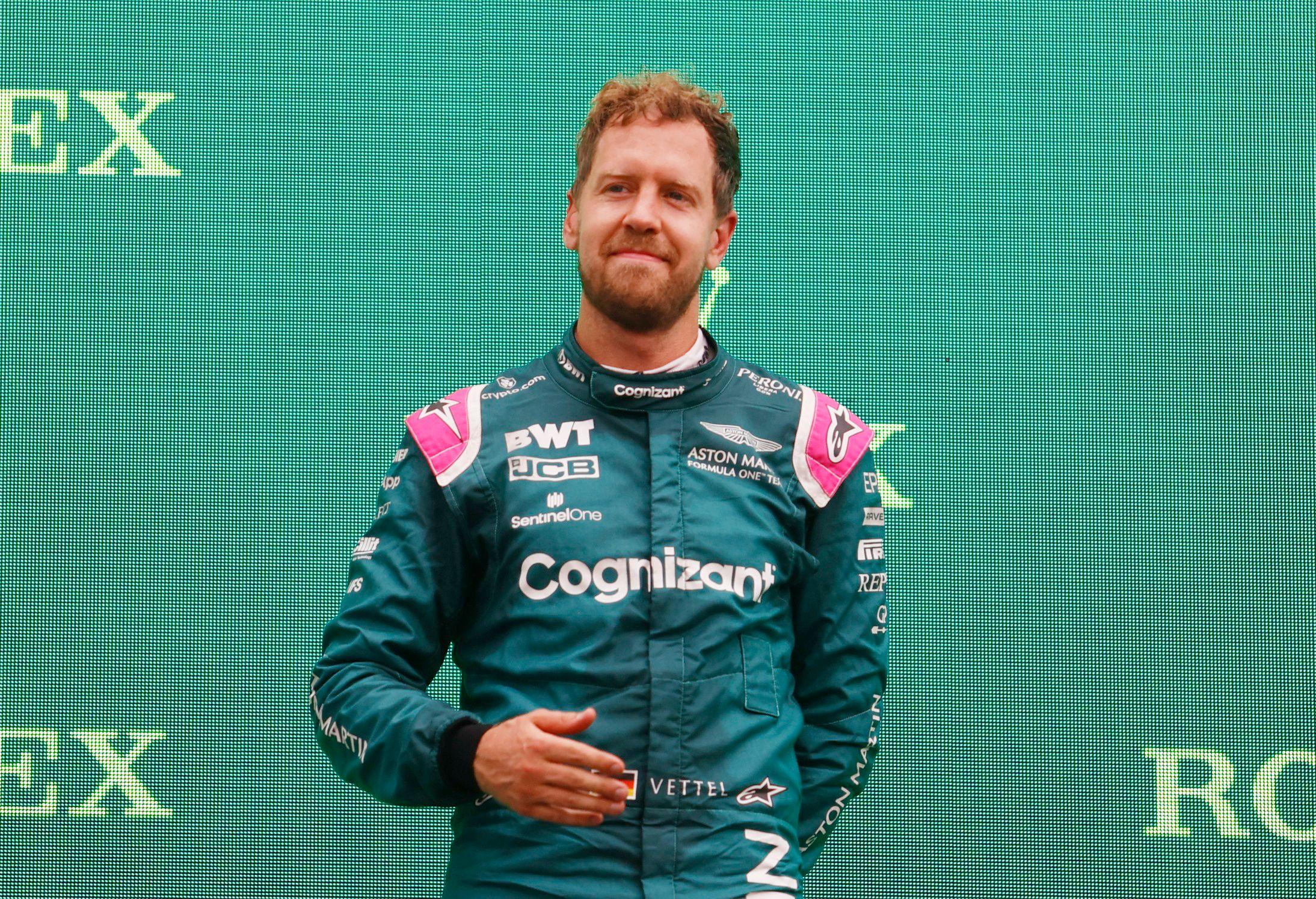 Formula 1: Τιμωρήθηκε o Φέτελ και βγήκε δεύτερος ο Χάμιλτον στην Ουγγαρία