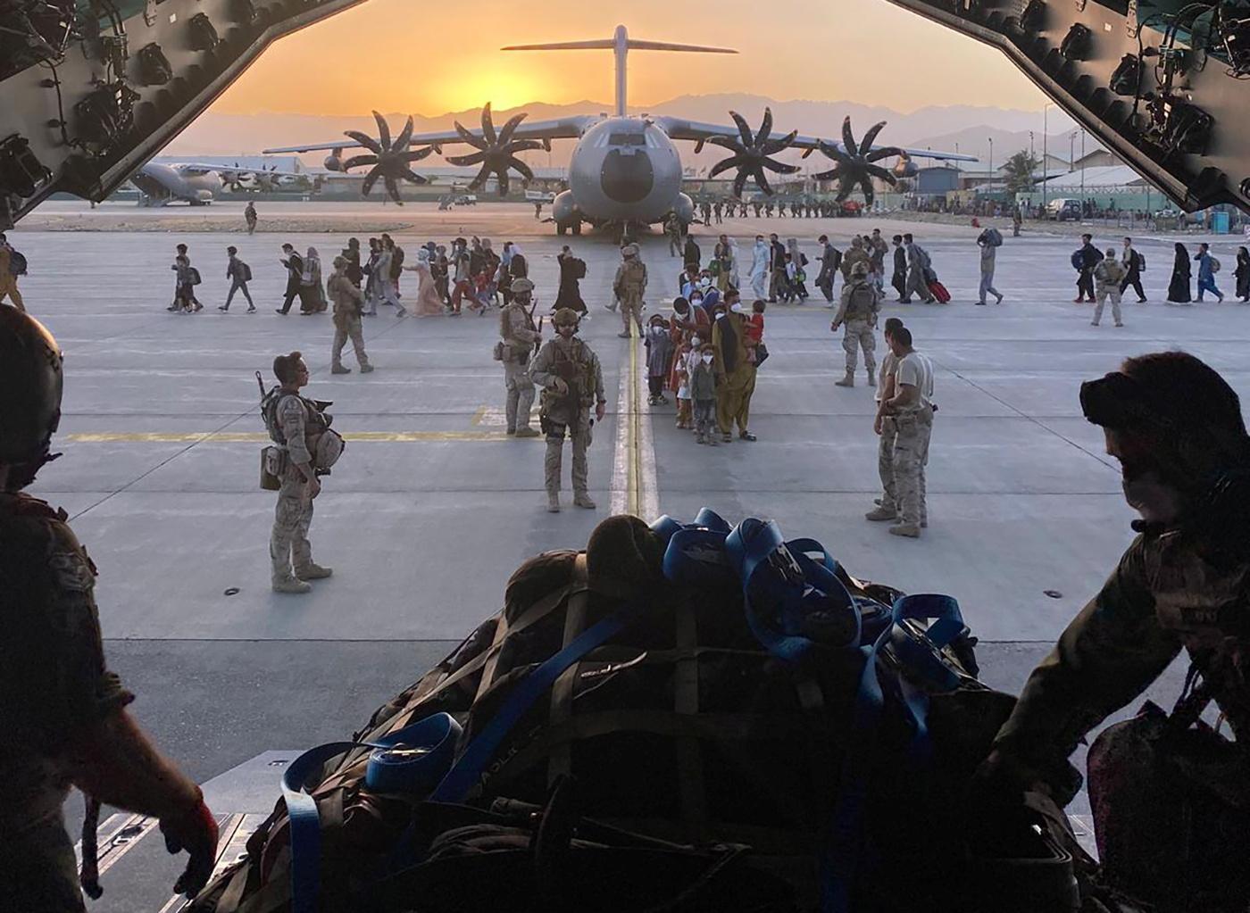 Αφγανιστάν: Φόβοι και προειδοποιήσεις για νέο χτύπημα – Η αντίδραση Μπάιντεν