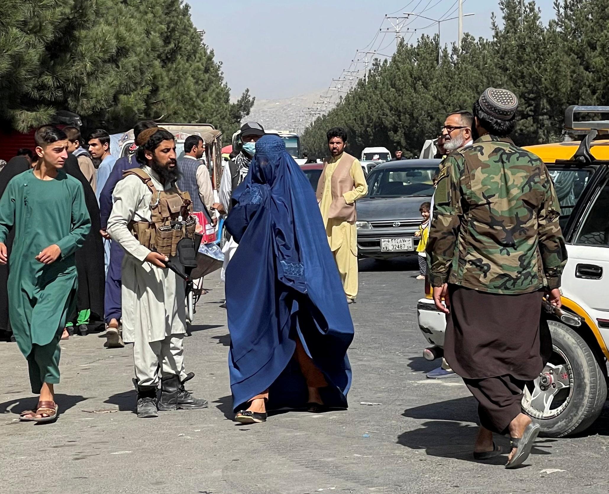 Η Γαλλία διαψεύδει οποιαδήποτε σχέση με την κυβέρνηση των Ταλιμπάν