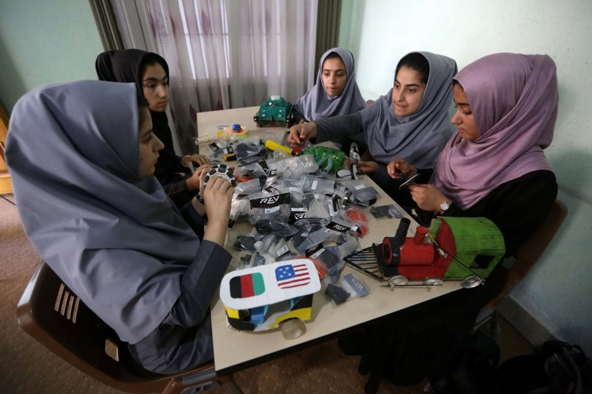 Αφγανιστάν: Καταφύγιο στο Μεξικό για Αφγανές της ομάδας ρομποτικής