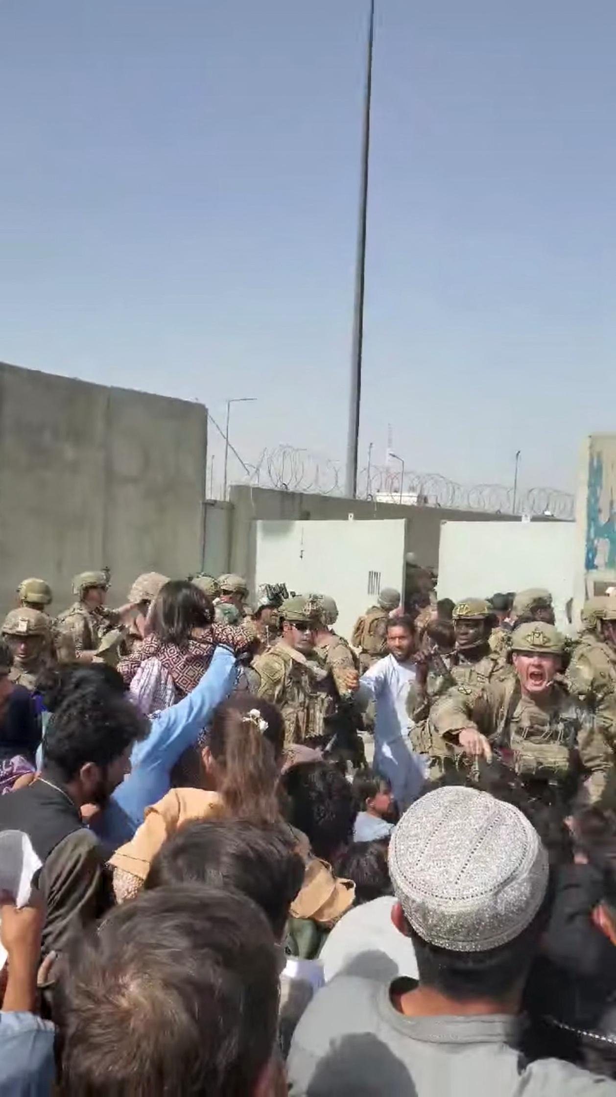 Αφγανιστάν – SOS από ΠΟΥ: Δεν παραδόθηκαν φάρμακα στο αεροδρόμιο της Καμπούλ